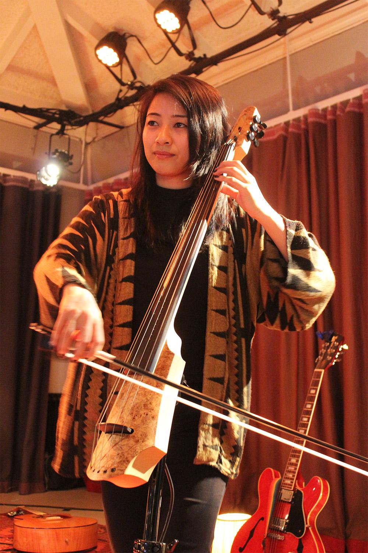 ITC-Open-2017-flint-NS-design-electric-cello-The-Wong-Janice.jpg