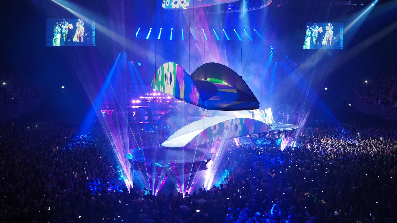 Lady-Gaga-Amsterdam-Ziggo-Dome-Joanne-Tour-The-Wong-Janice-music-producer-cellist-2.JPG