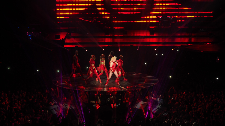 Lady-Gaga-Amsterdam-Ziggo-Dome-Joanne-Tour-The-Wong-Janice-music-producer-cellist-5.JPG