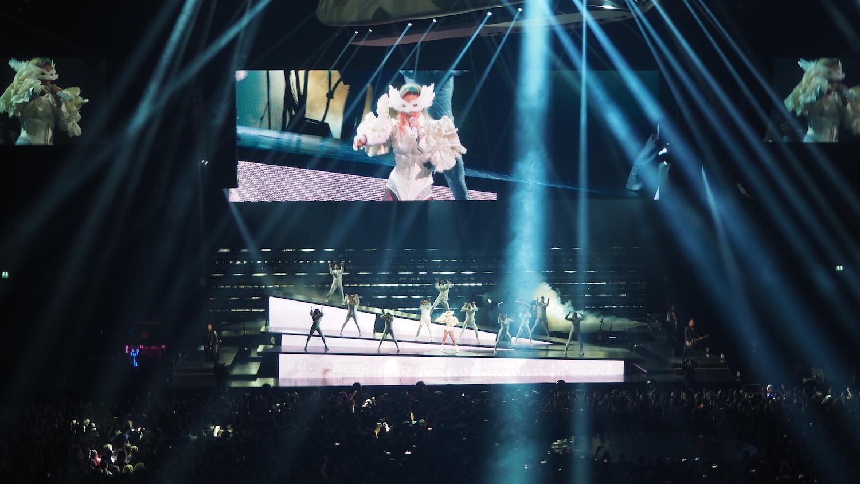 Lady-Gaga-Amsterdam-Ziggo-Dome-Joanne-Tour-The-Wong-Janice-music-producer-cellist-6.JPG
