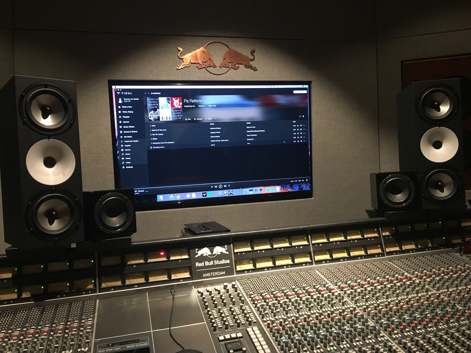 Red-Bull-Studios-Amsterdam-control-room-Q-factory-The-Wong-Janice-music-producer-cellist.jpg