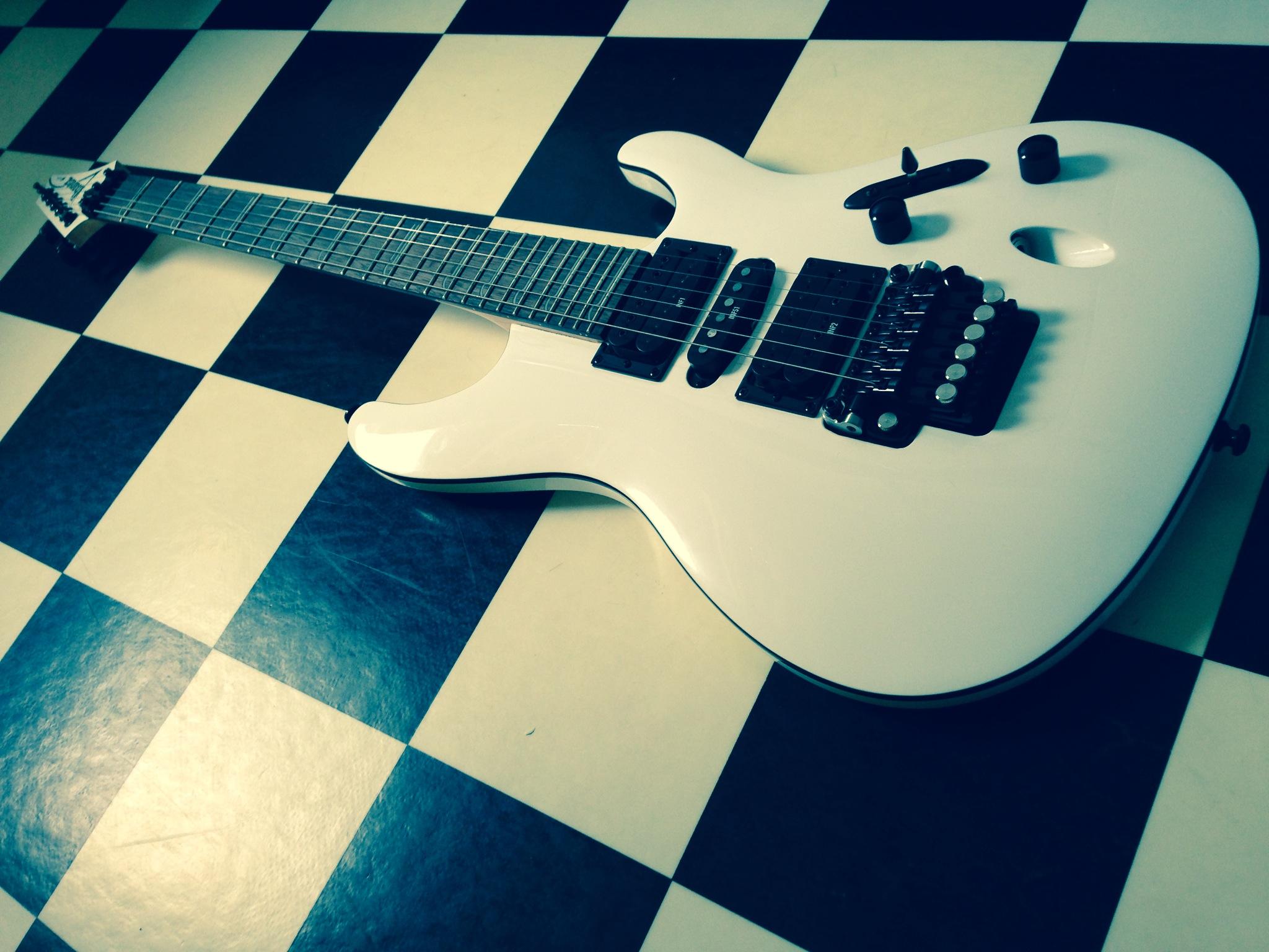 Ibanez-S-series-electric-guitar-white-model-S570B-full-The-Wong-Janice.JPG
