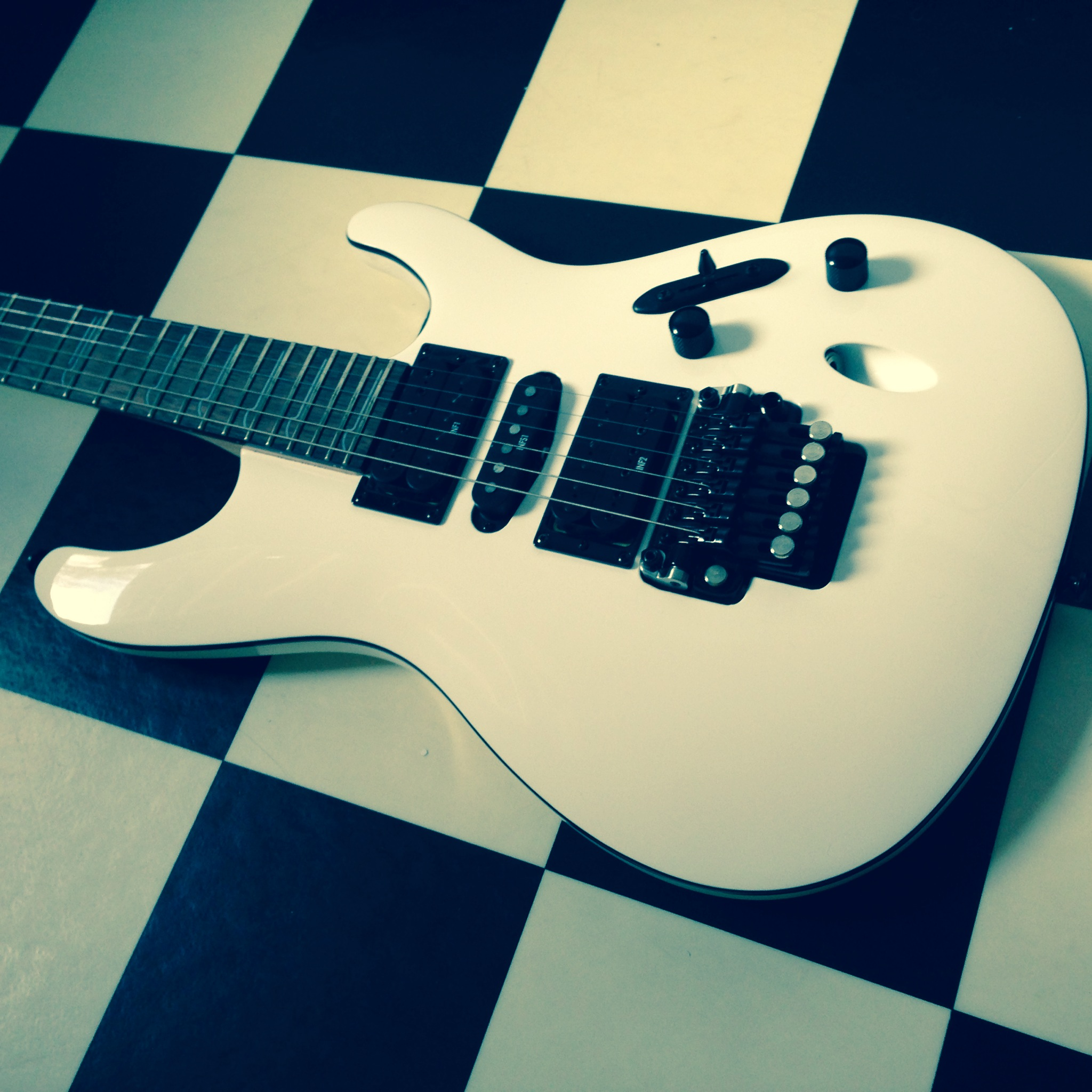 Ibanez-S-series-electric-guitar-white-model-S570B-The-Wong-Janice-4.JPG