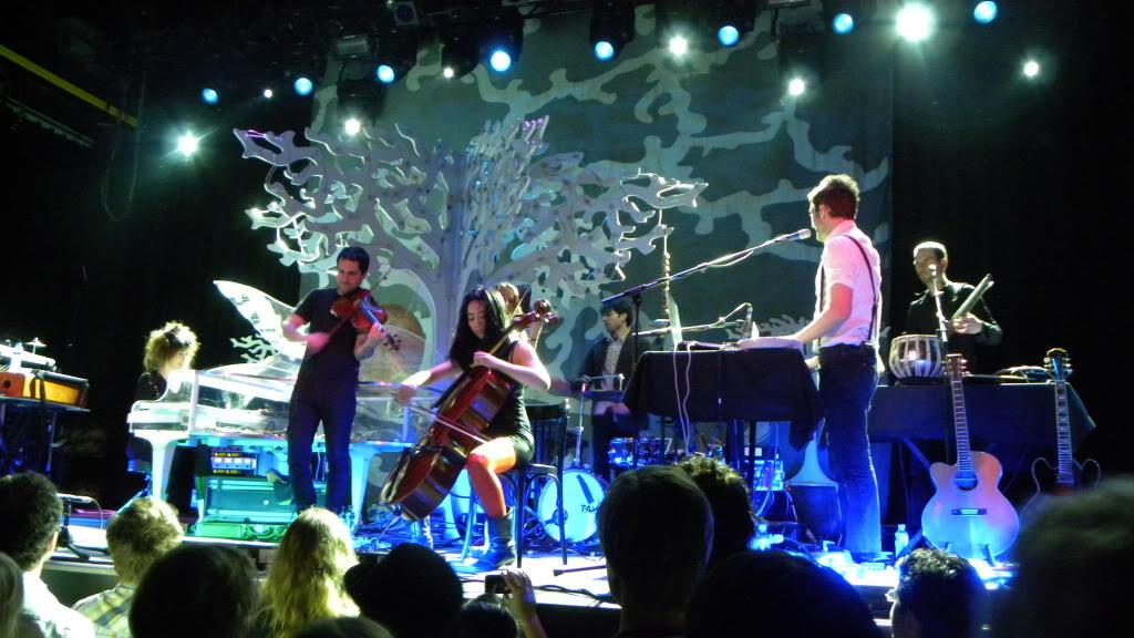 Live-to-Linda-Imogen-Heap-1-The-Wong-Janice-cellist.jpg