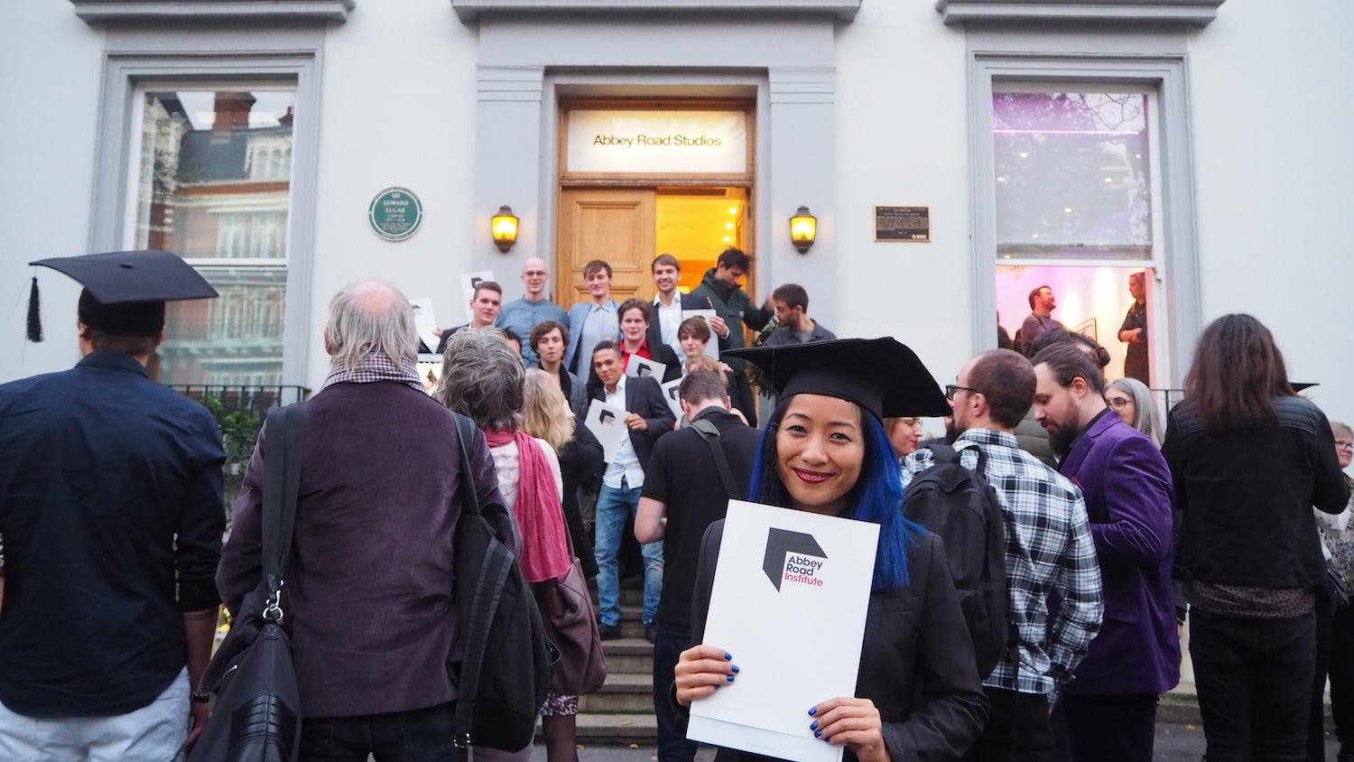 Outside-Abbey-Road-Studios-Institute-graduation-Amsterdam-The-Wong-Janice-London-music-producer-cellist.JPG