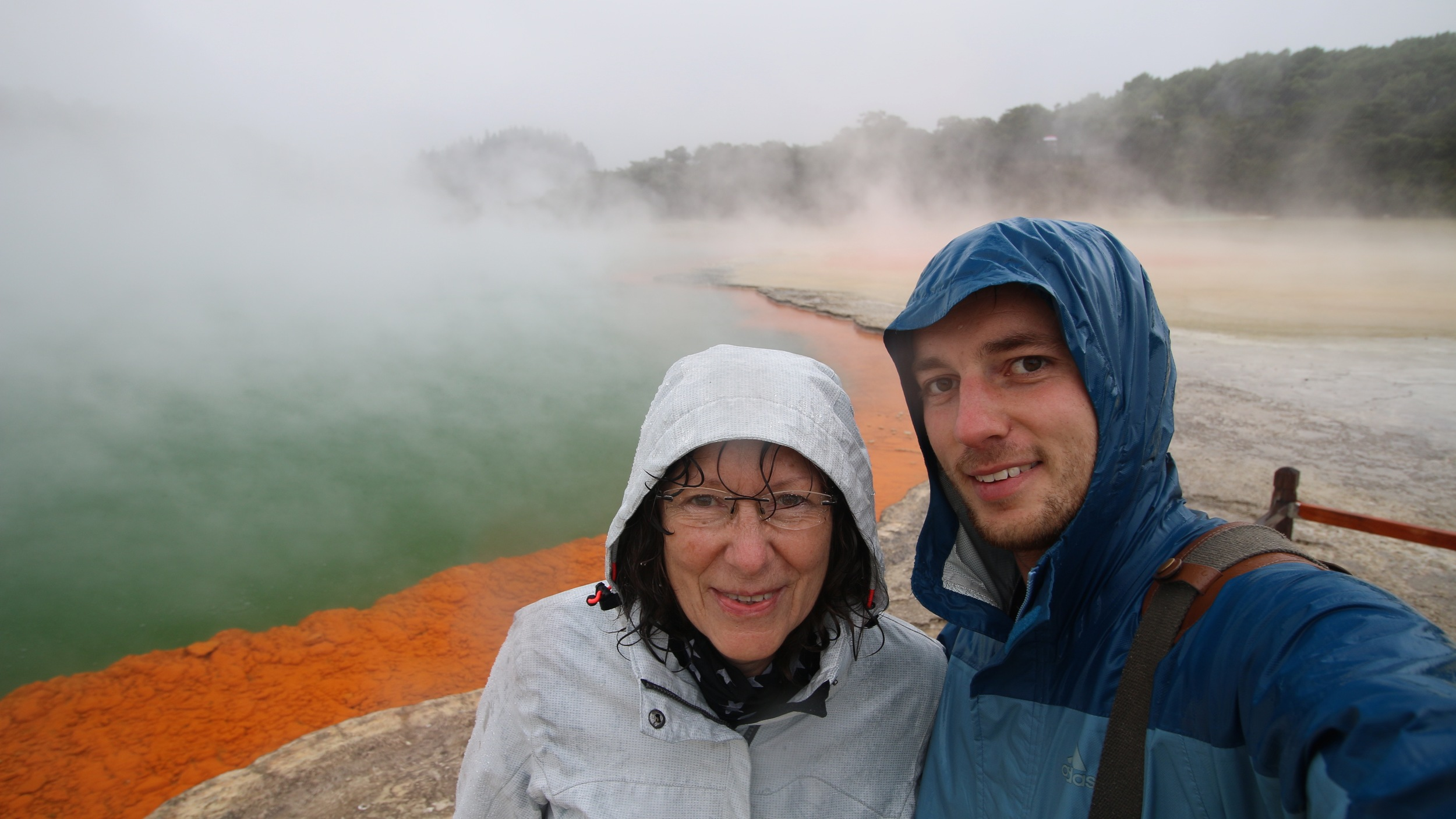 Champagne Pool, Wai O Tapu Thermal Wonderland