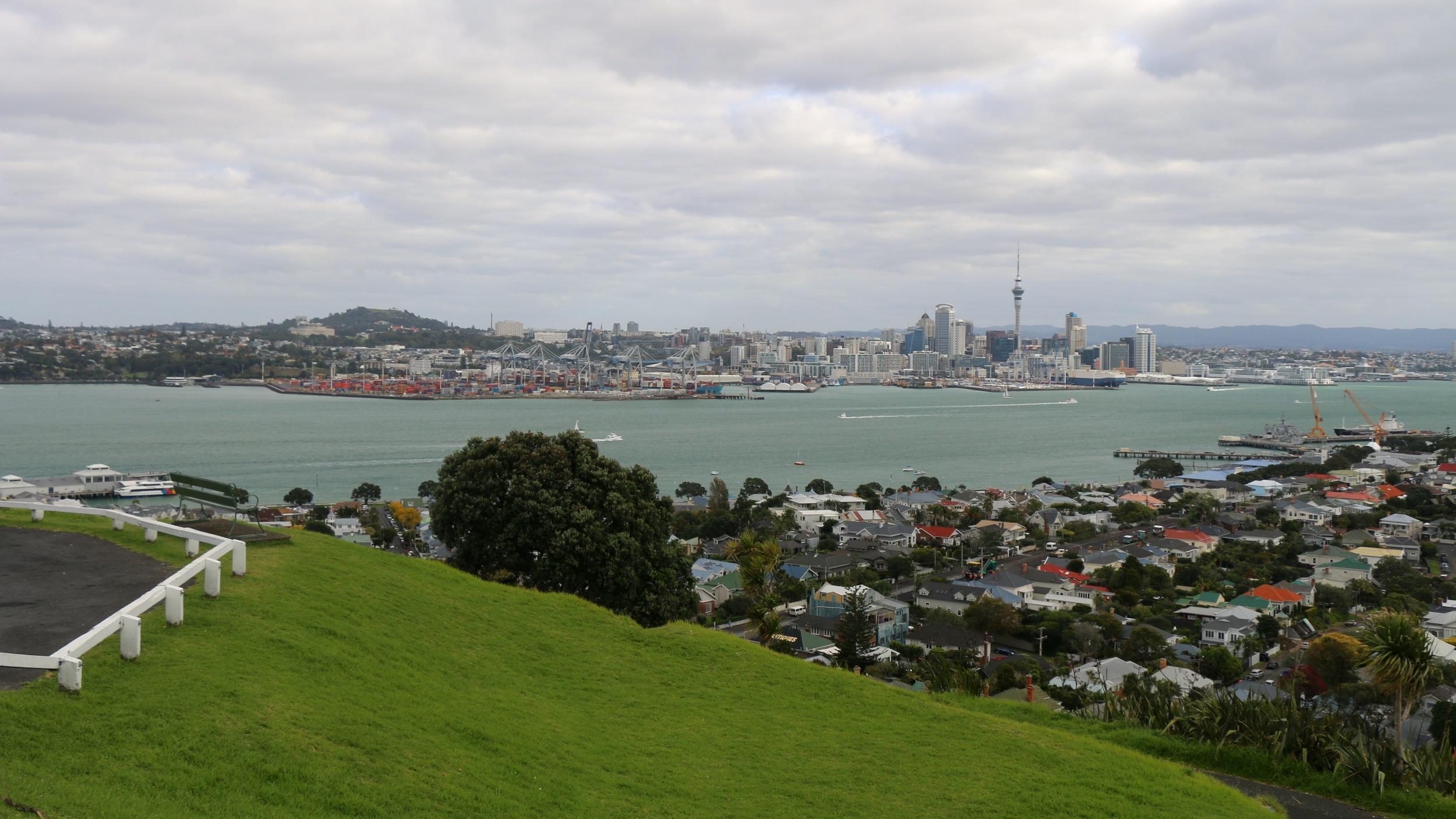 Auckland skyline, view from mt victoria, devenport