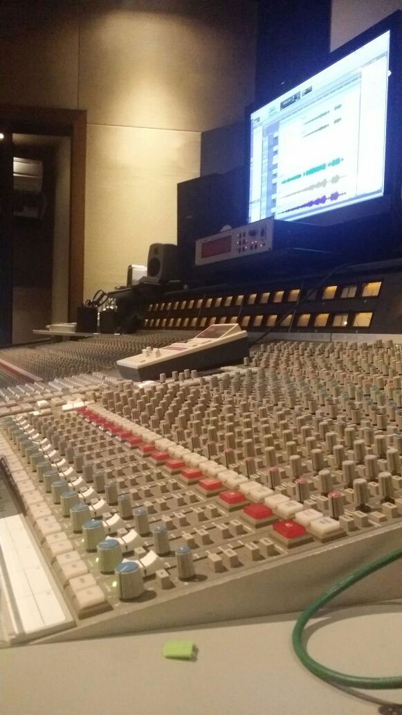 UNPLUGGED_Studio_recording7.jpg