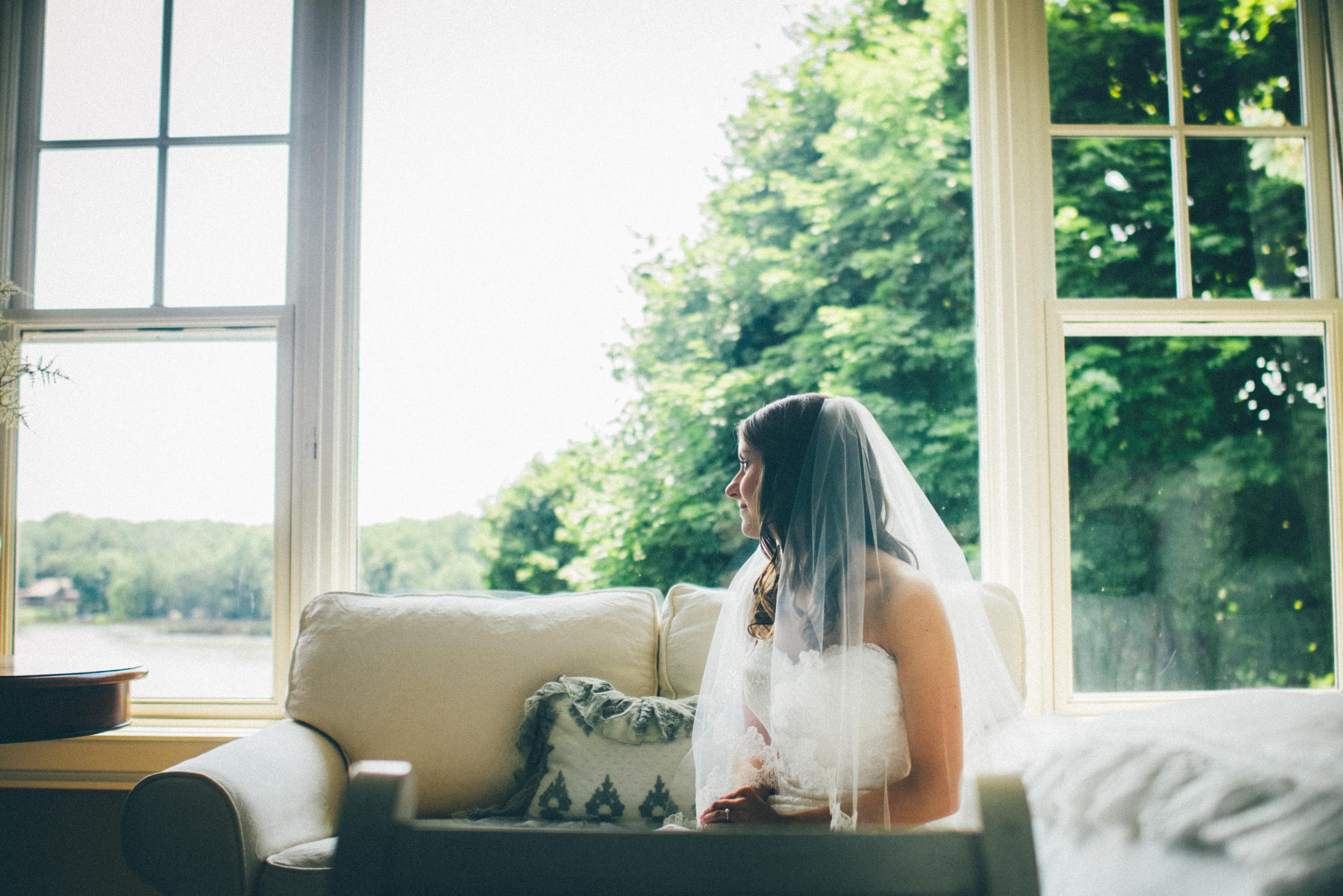 Grand-Rapids-Michigan-Wedding-Photographers-Cinematographers-Shadow-Shine-Pictures-Josh-Cassie-Teigen-Schoonmaker-003