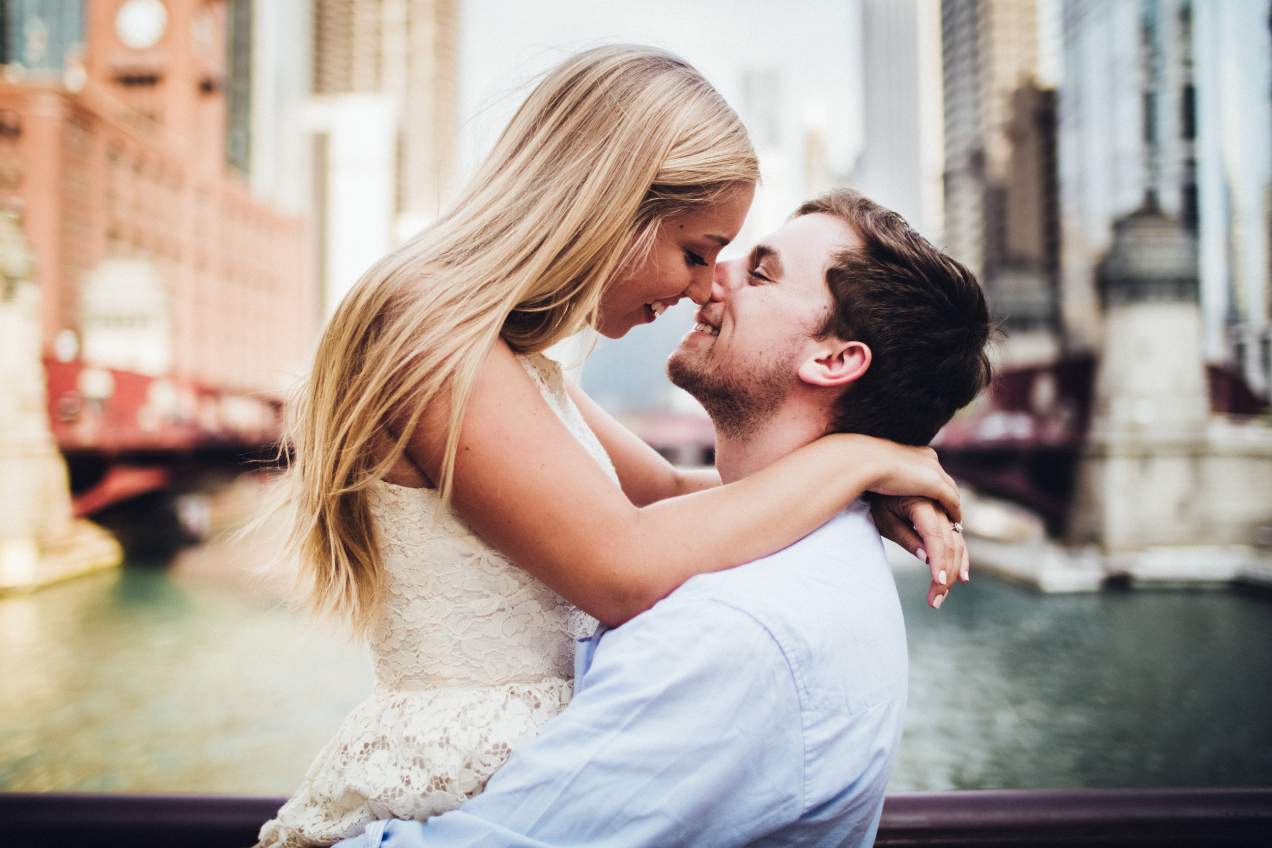 engagement-photos-bryce-anna-chicago-wedding-shadow-shine-pictures-award-winning