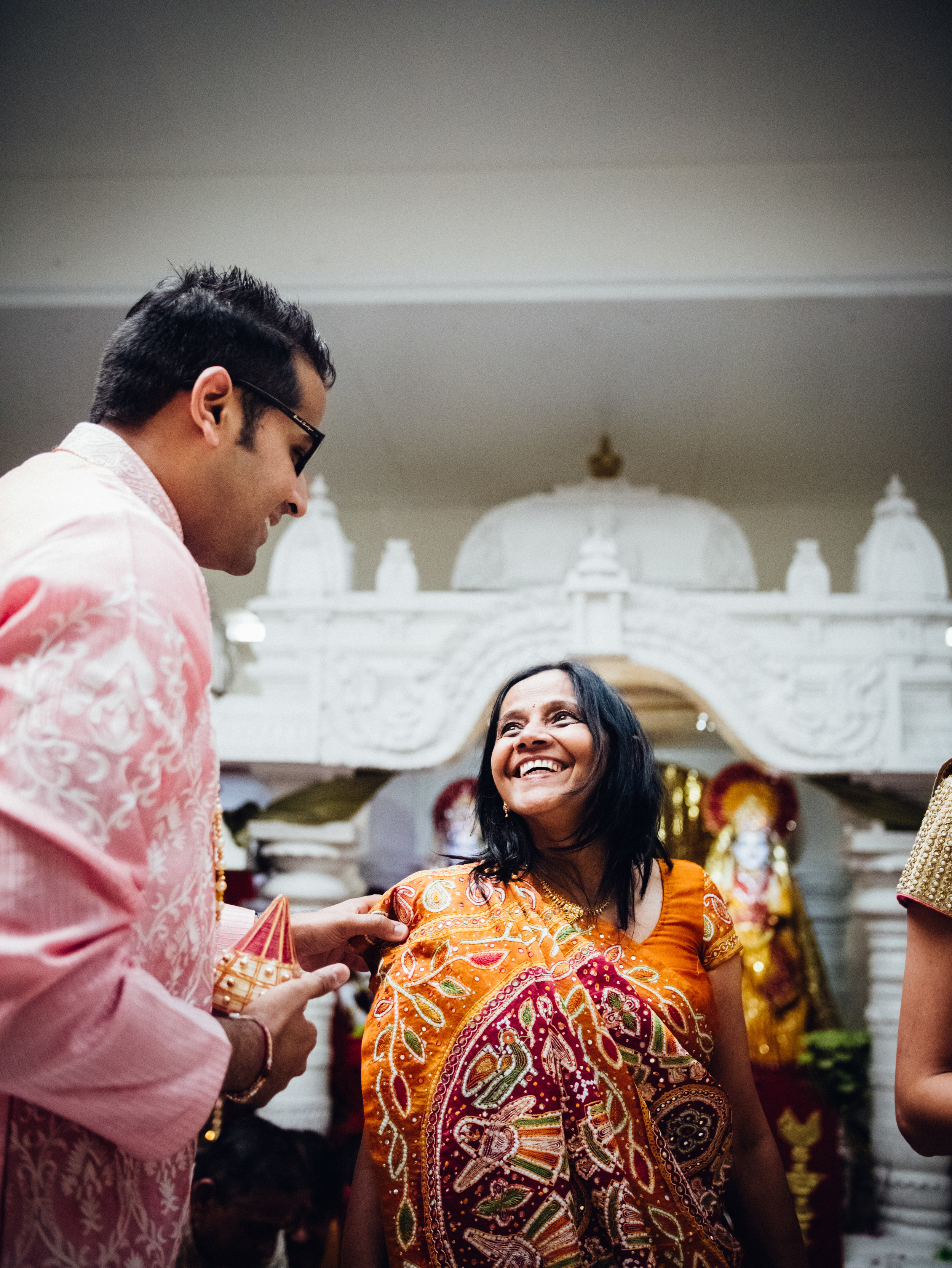 Shadow-Shine-Pictures-Award-Winning-Videography-Videographers-Videographer-Indian-Engagement-Ceremony-Detroit-Lansing-Grand-Rapids