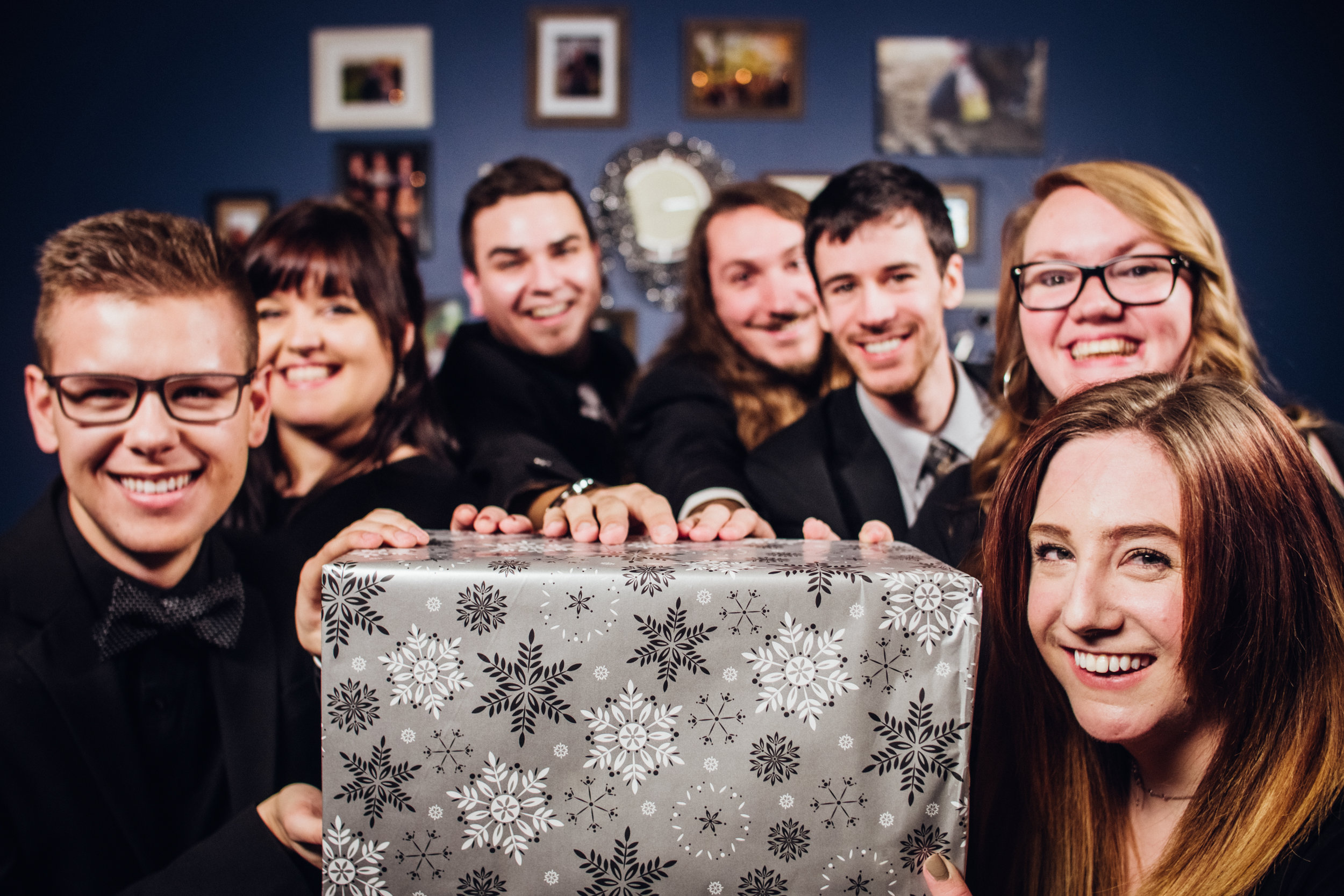 Shadow-Shine-Pictures-Grand-Rapids-Michigan-Corporate-Holiday-Photographers