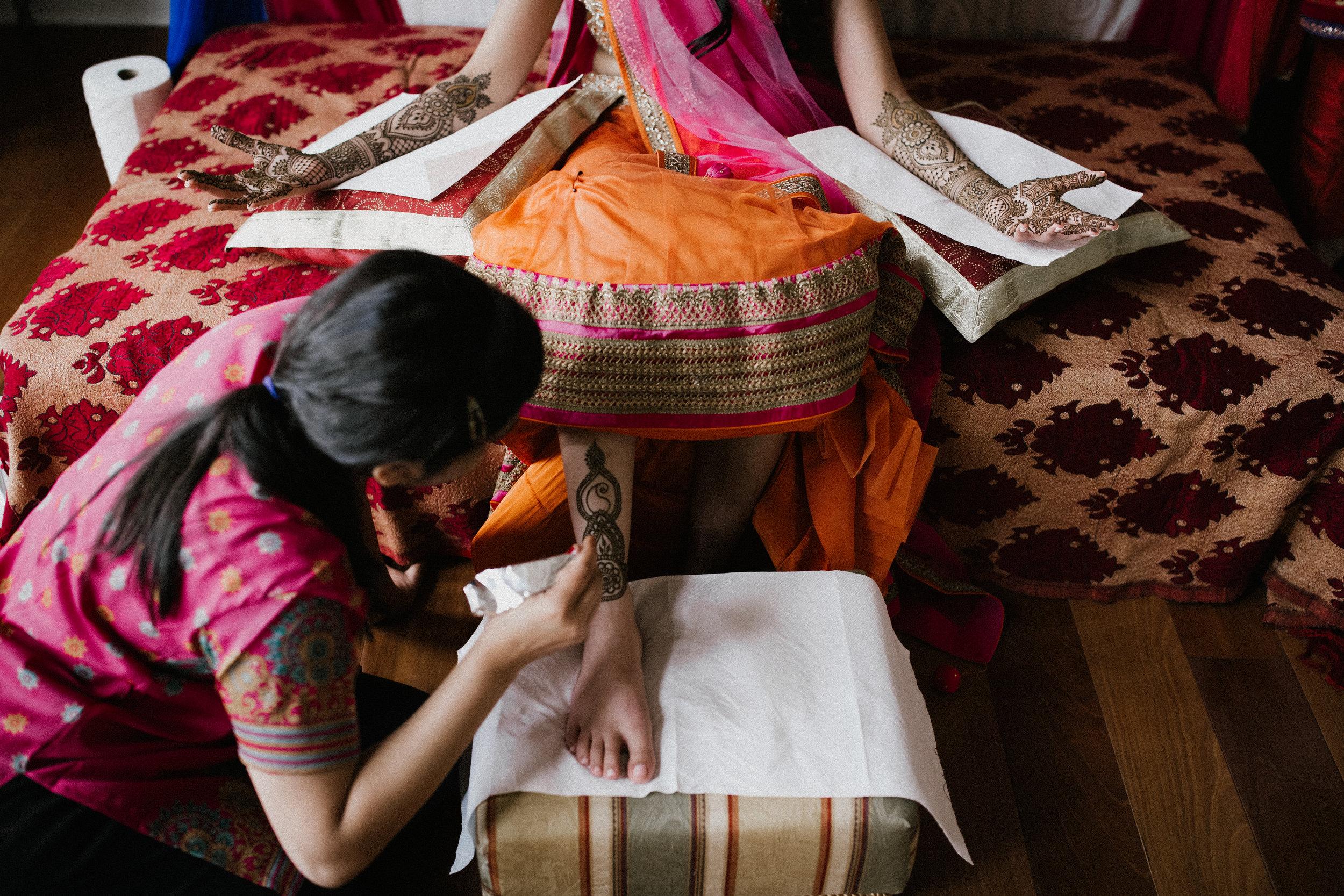 Aparna-Ankit-Patel-Mehndi-Wedding-Photos-0008.jpg