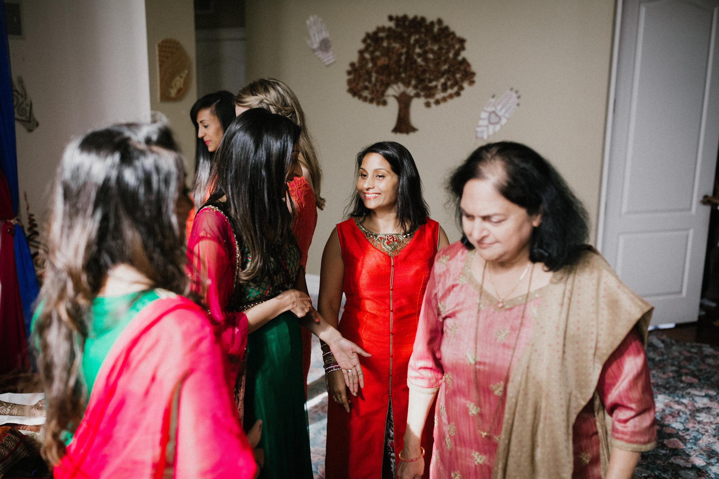 Aparna-Ankit-Patel-Mehndi-Wedding-Photos-0010.jpg