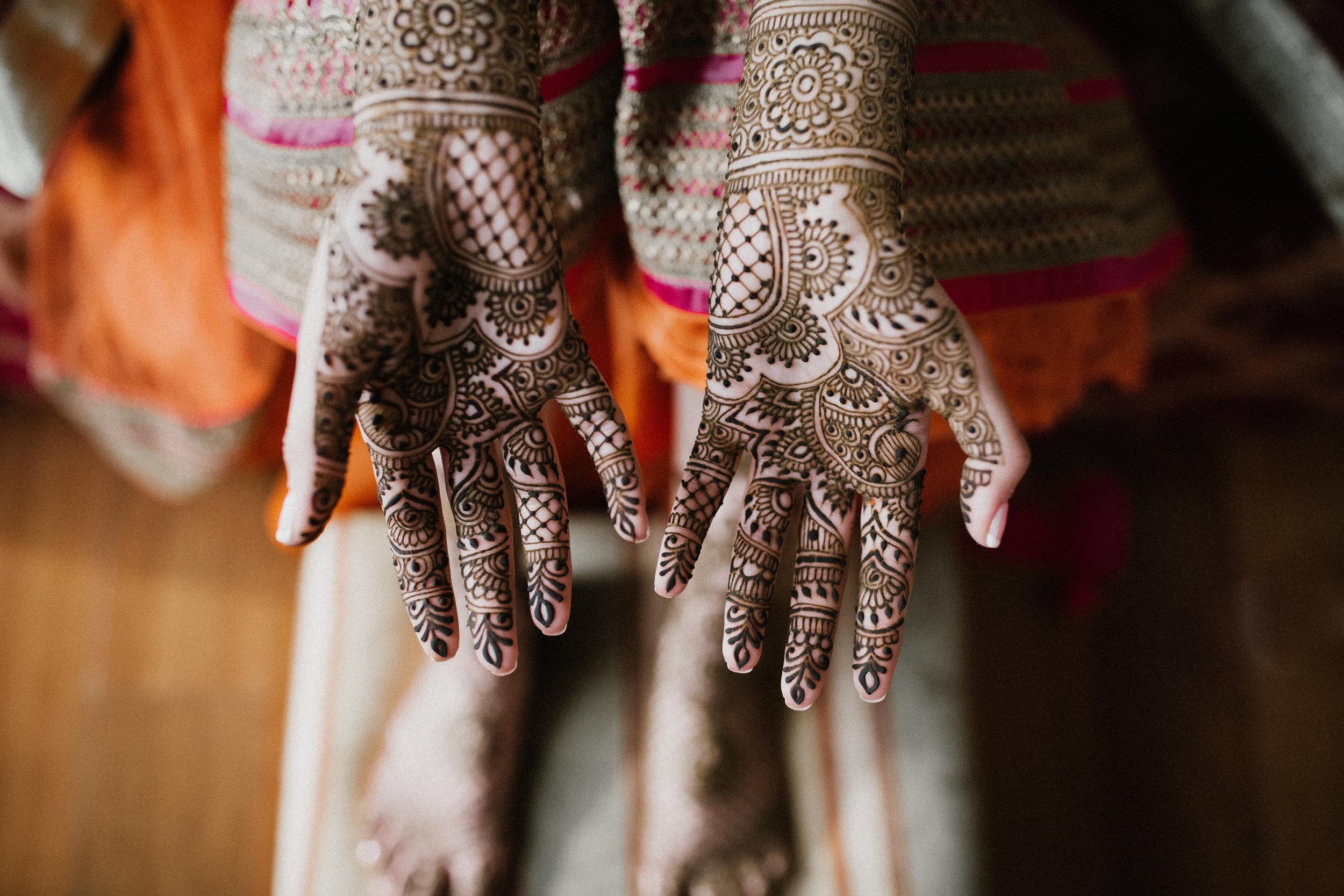 Aparna-Ankit-Patel-Mehndi-Wedding-Photos-0026.jpg