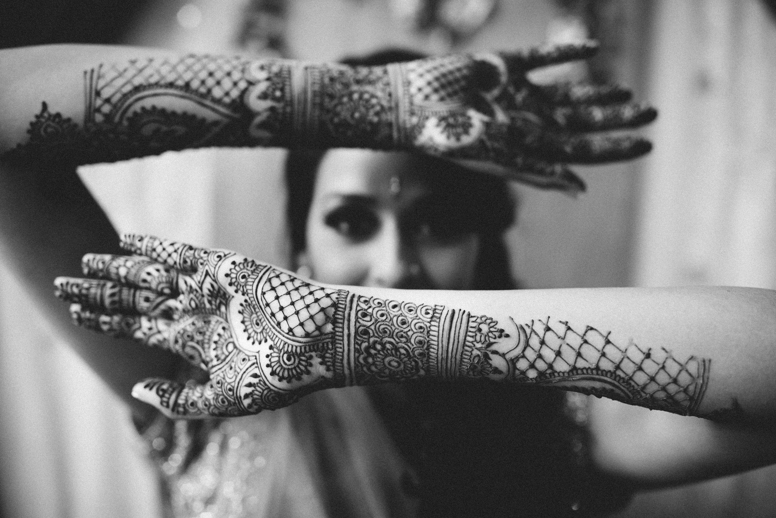 Aparna-Ankit-Patel-Mehndi-Wedding-Photos-0028.jpg