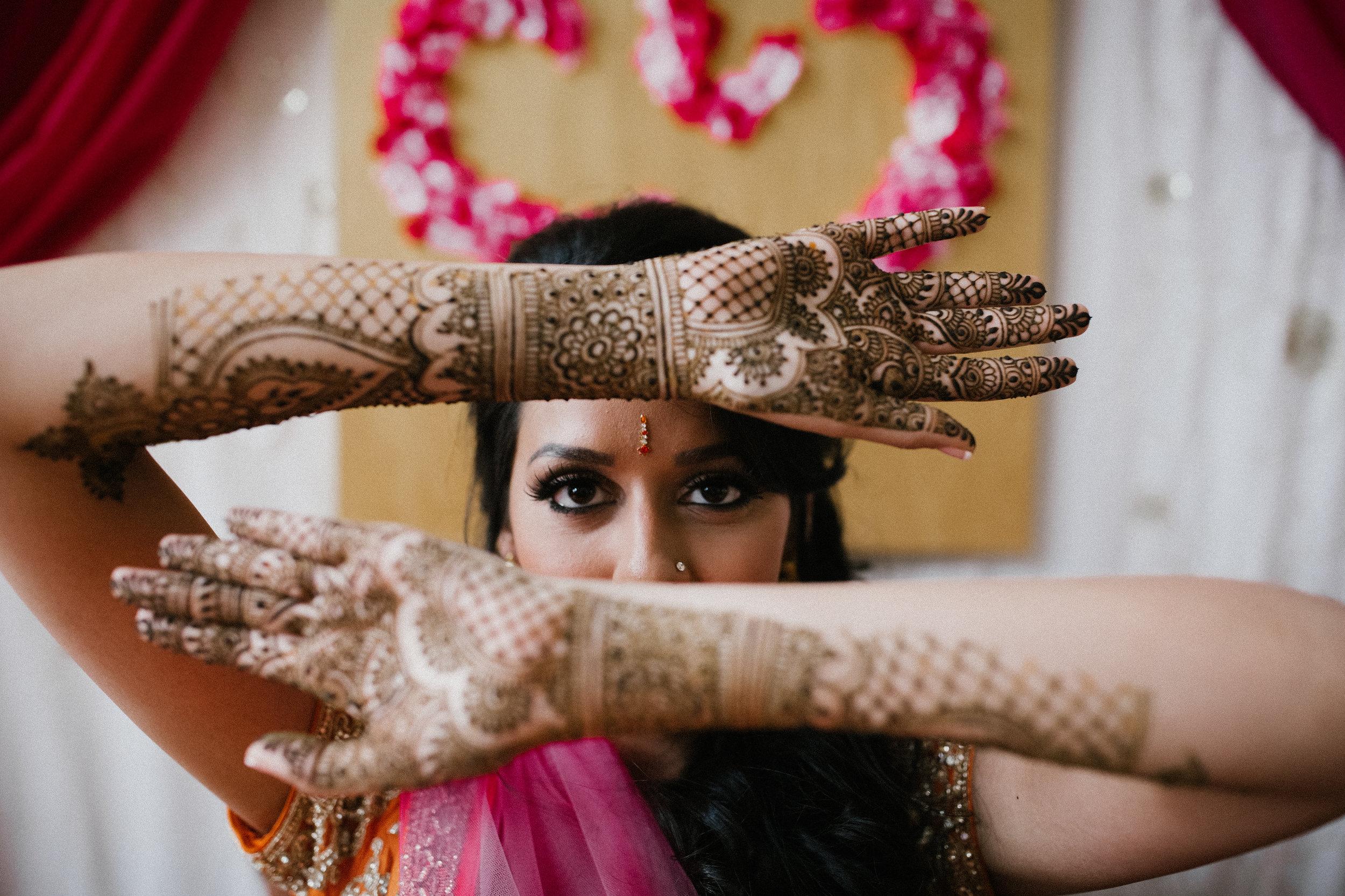 Aparna-Ankit-Patel-Mehndi-Wedding-Photos-0029.jpg