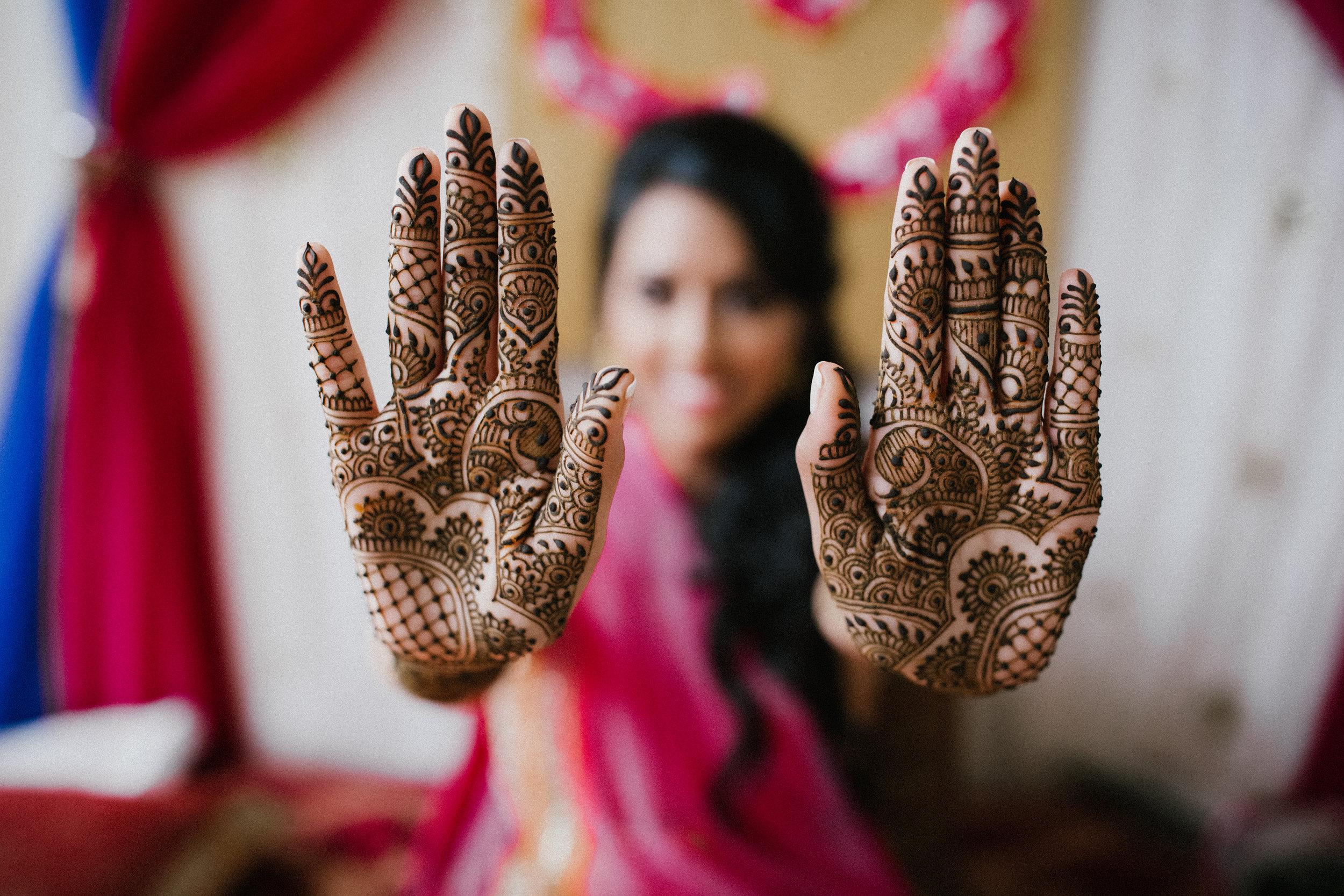 Aparna-Ankit-Patel-Mehndi-Wedding-Photos-0031.jpg
