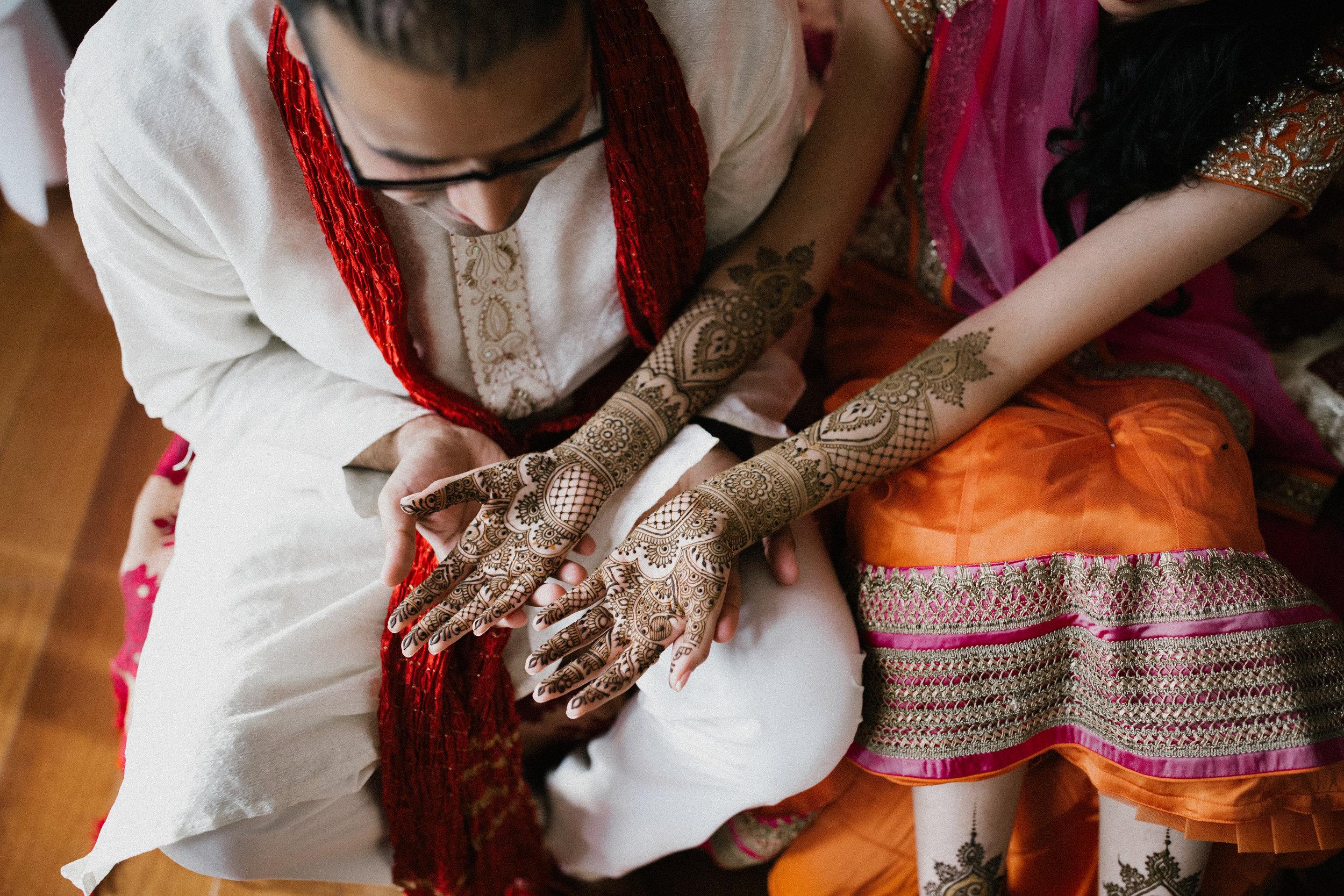 Aparna-Ankit-Patel-Mehndi-Wedding-Photos-0033.jpg