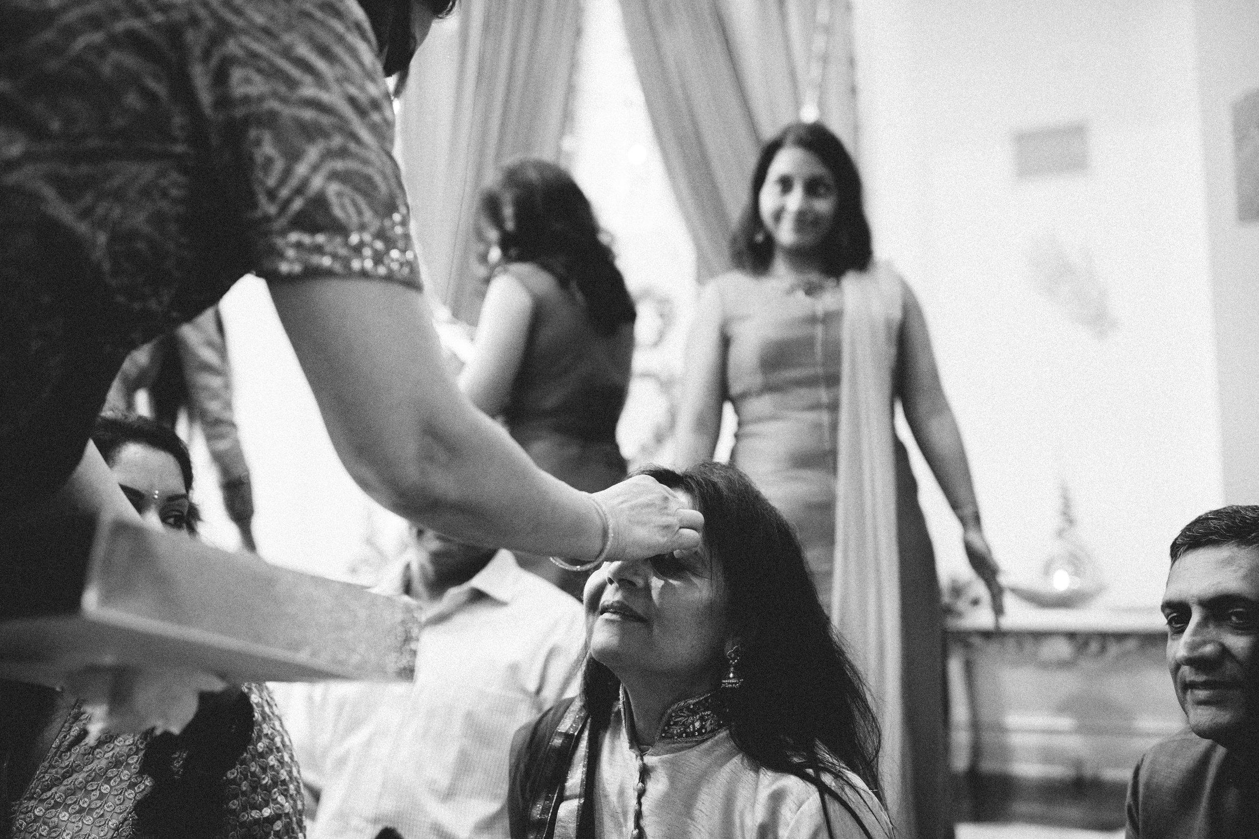 Aparna-Ankit-Patel-Mehndi-Wedding-Photos-0054.jpg