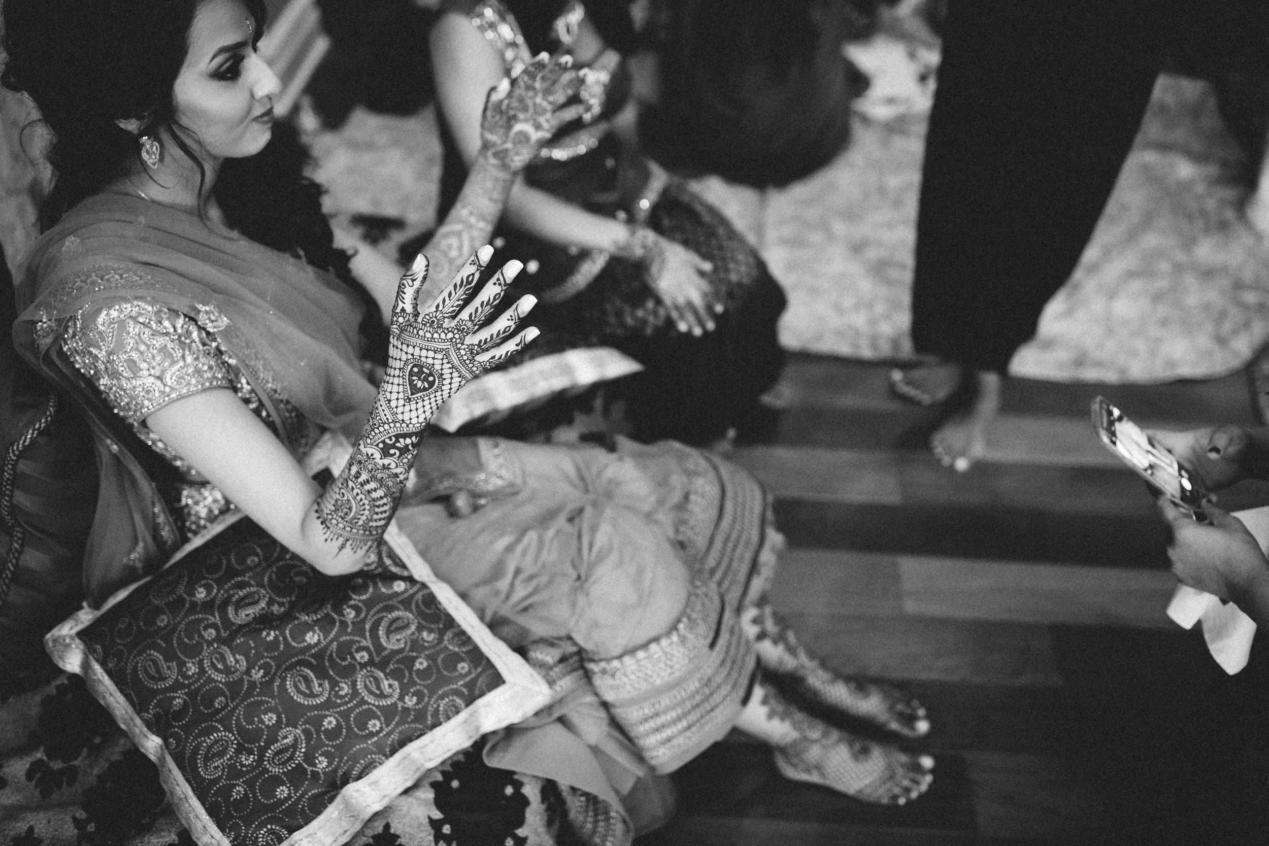 Aparna-Ankit-Patel-Mehndi-Wedding-Photos-0057.jpg