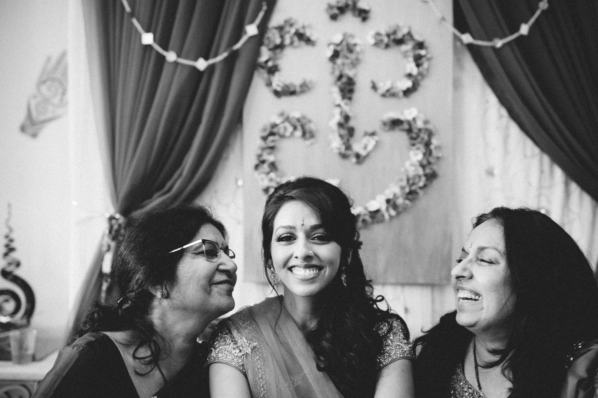 Aparna-Ankit-Patel-Mehndi-Wedding-Photos-0061.jpg