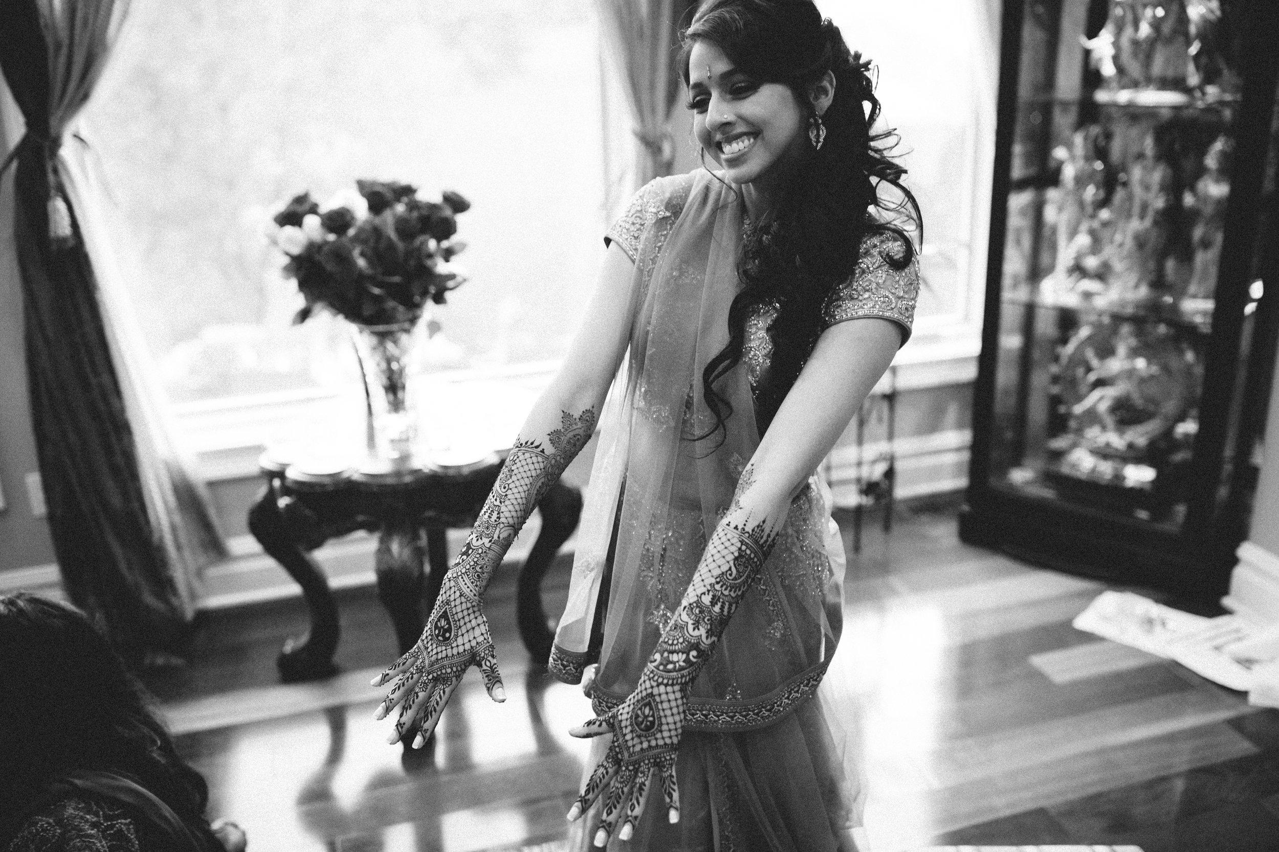 Aparna-Ankit-Patel-Mehndi-Wedding-Photos-0068.jpg