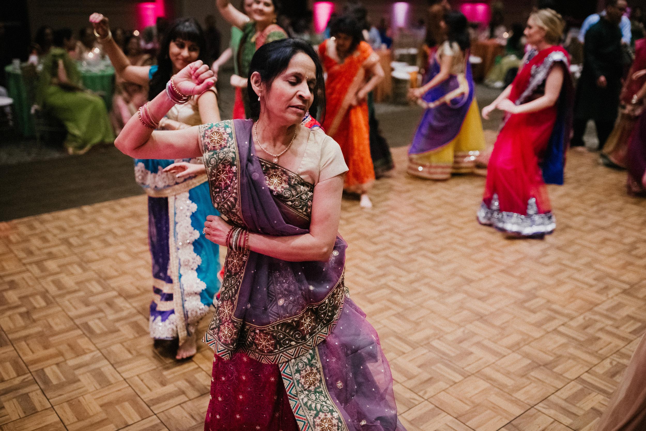 Aparna-Ankit-Patel-Shah-Detroit-Michigan-Shadow-Shine-Pictures-Photography-Indian-Garba-Raas