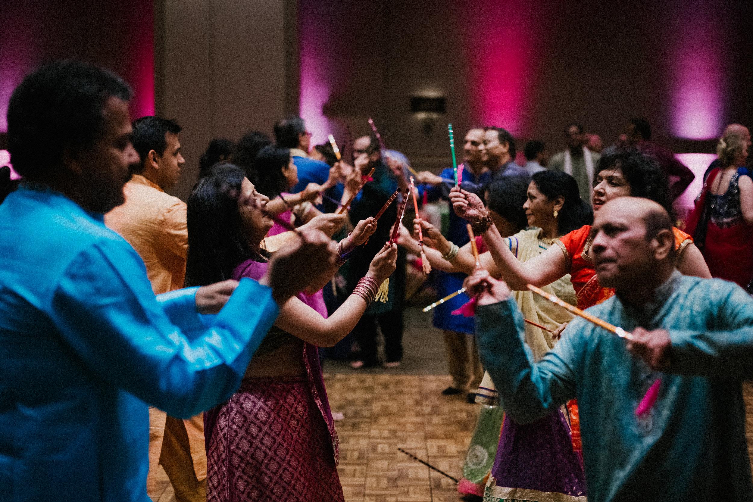 Aparna-Ankit-Patel-Shah-Detroit-Michigan-Shadow-Shine-Pictures-Photographers-Indian-Garba-Raas