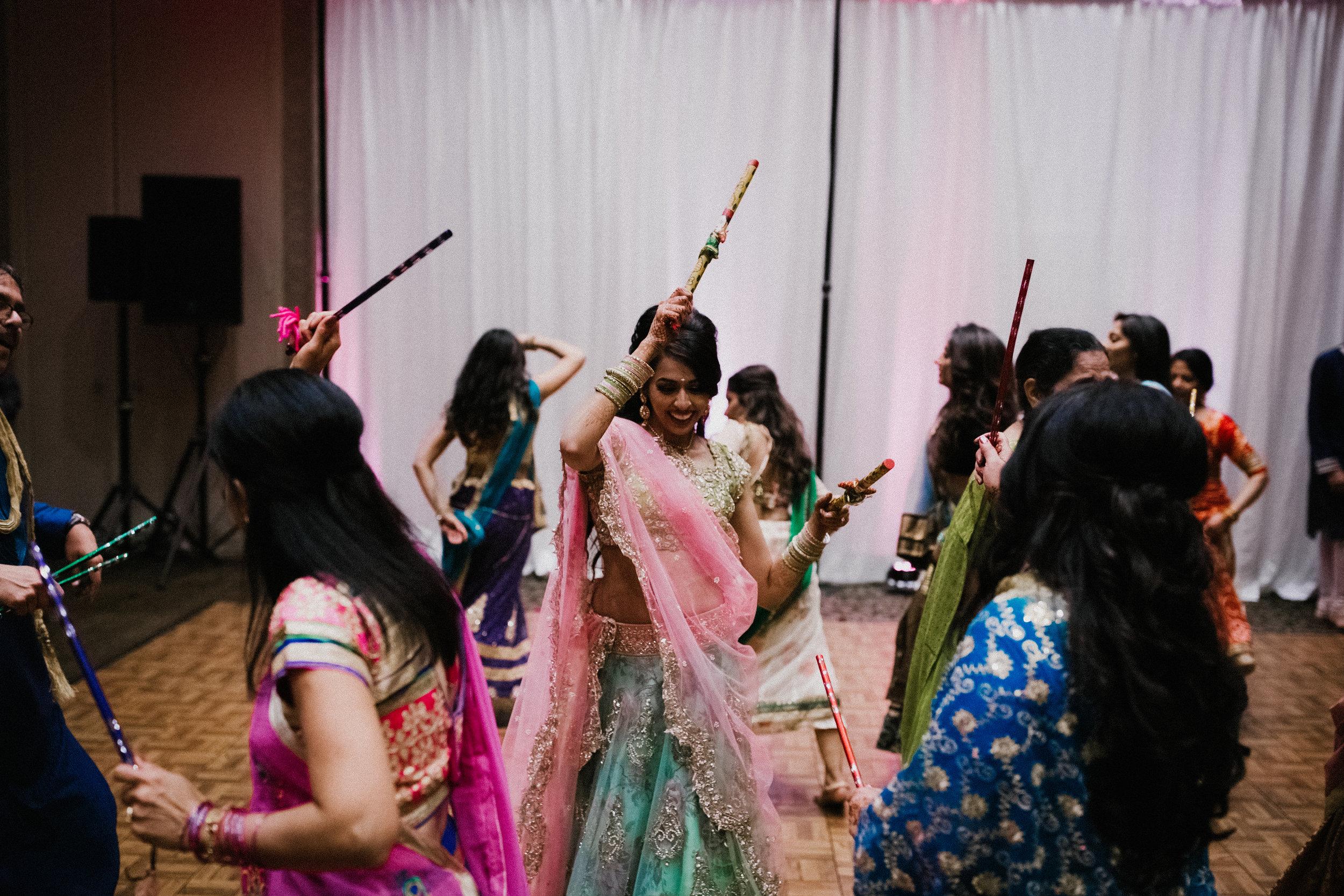 Aparna-Ankit-Patel-Shah-Detroit-Michigan-Shadow-Shine-Pictures-Photography-Indian-Cinematic-Garba-Raas