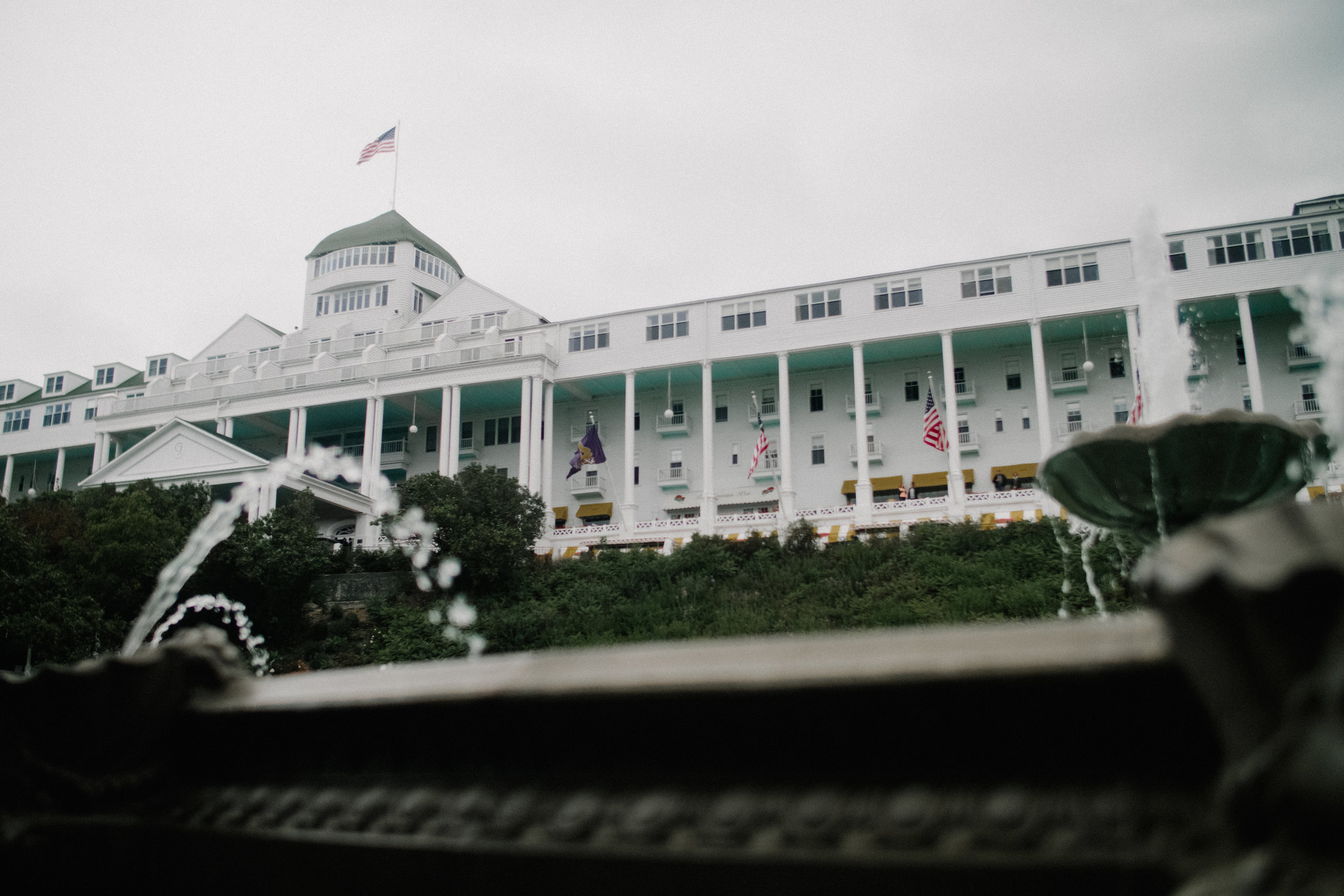 Mackinac-Island-Shadow-Shine-Picture-North-Michigan-Videography-Wedding-Patrice-Joe-Jackson-Grand-Hotel