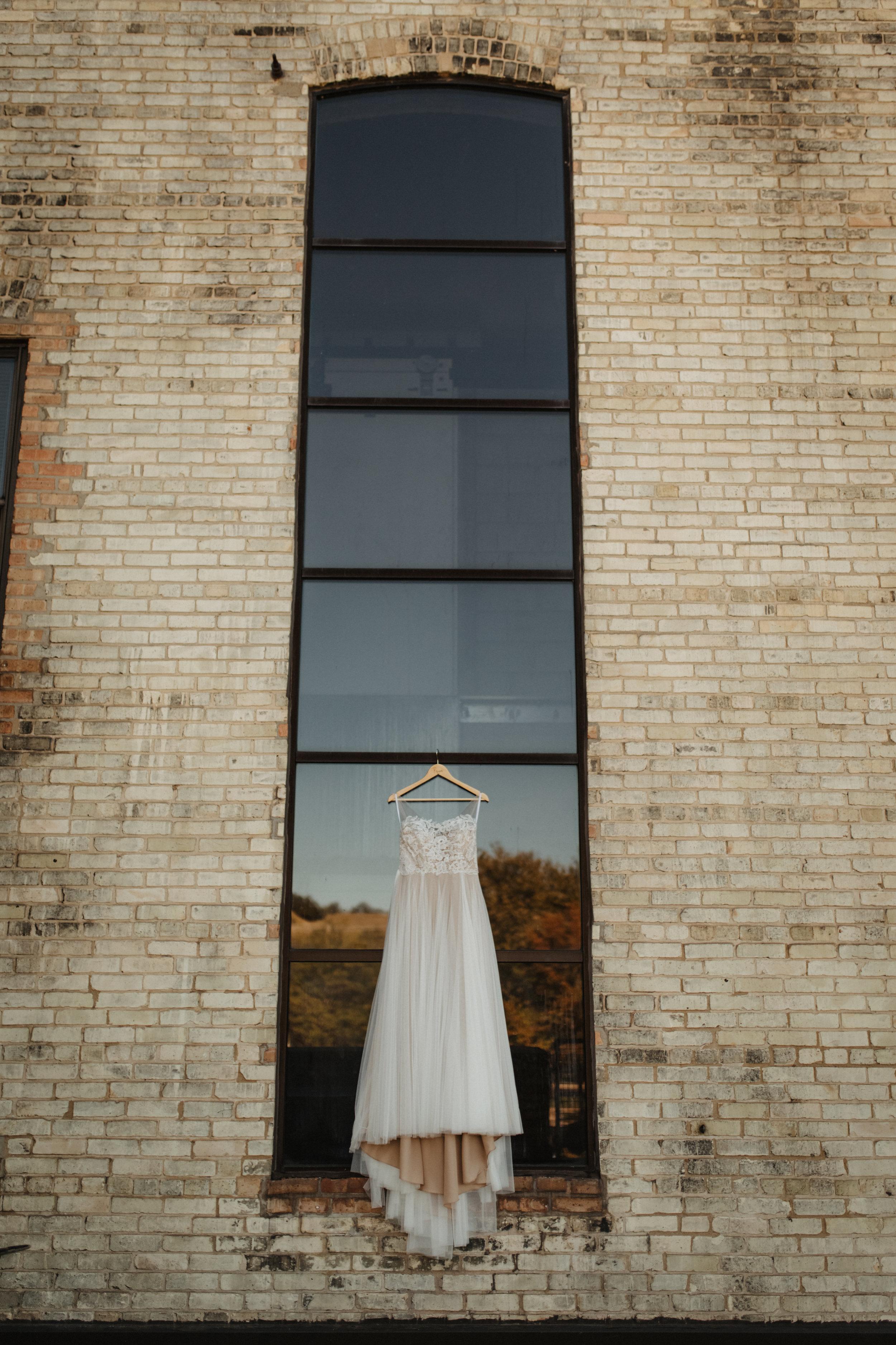 Paige-Noah-Wedding-Dress-02