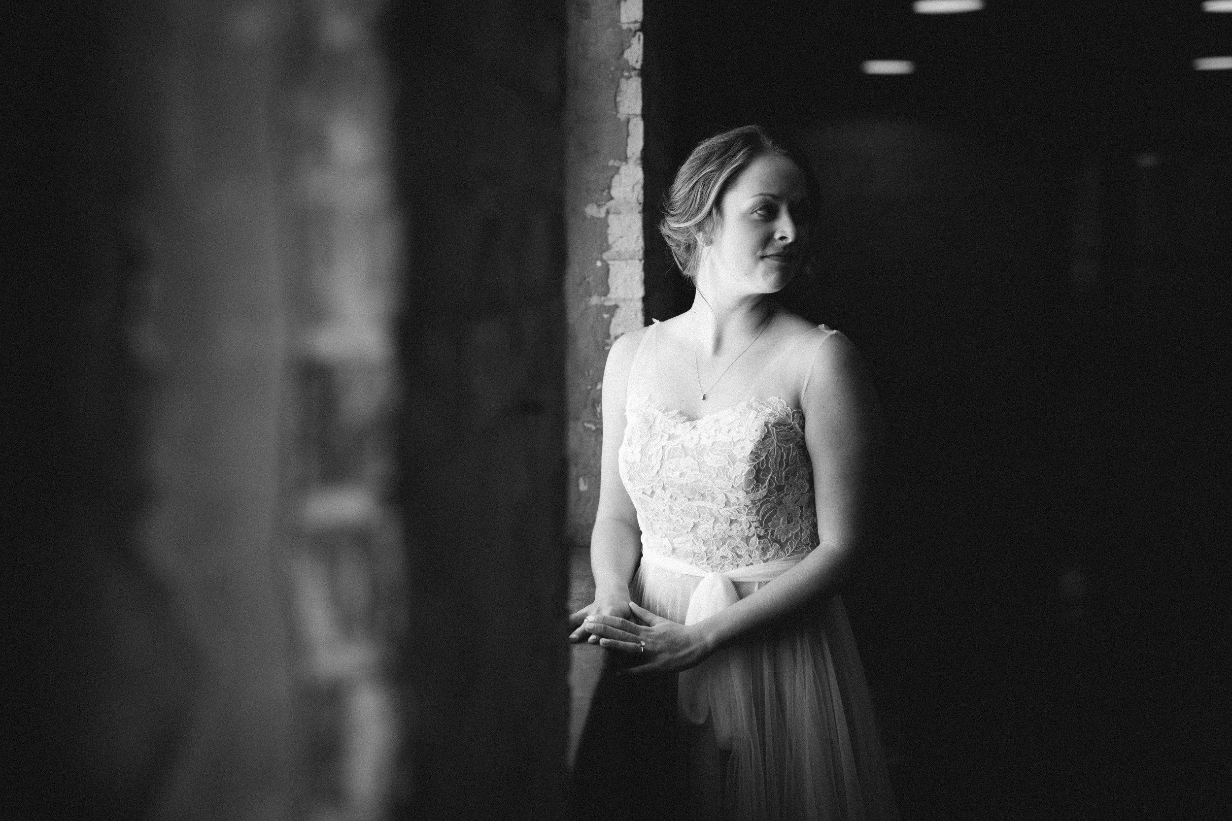 Bride-Wedding-Day-B&W-Photo-01