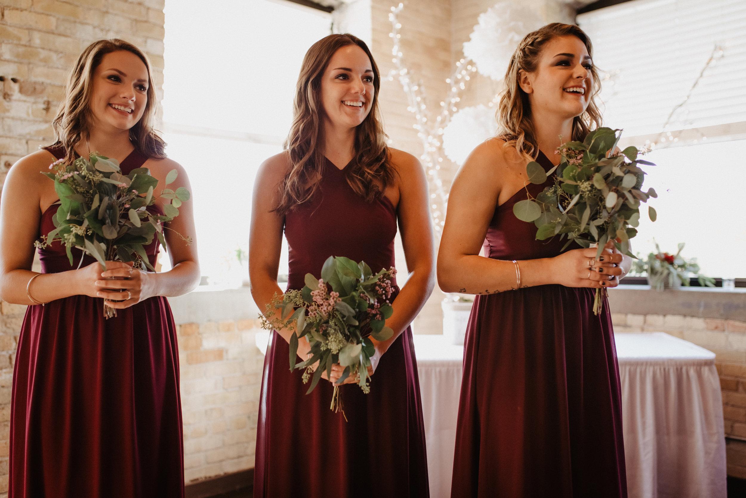 Beautiful-Bridesmaid-Photos-03