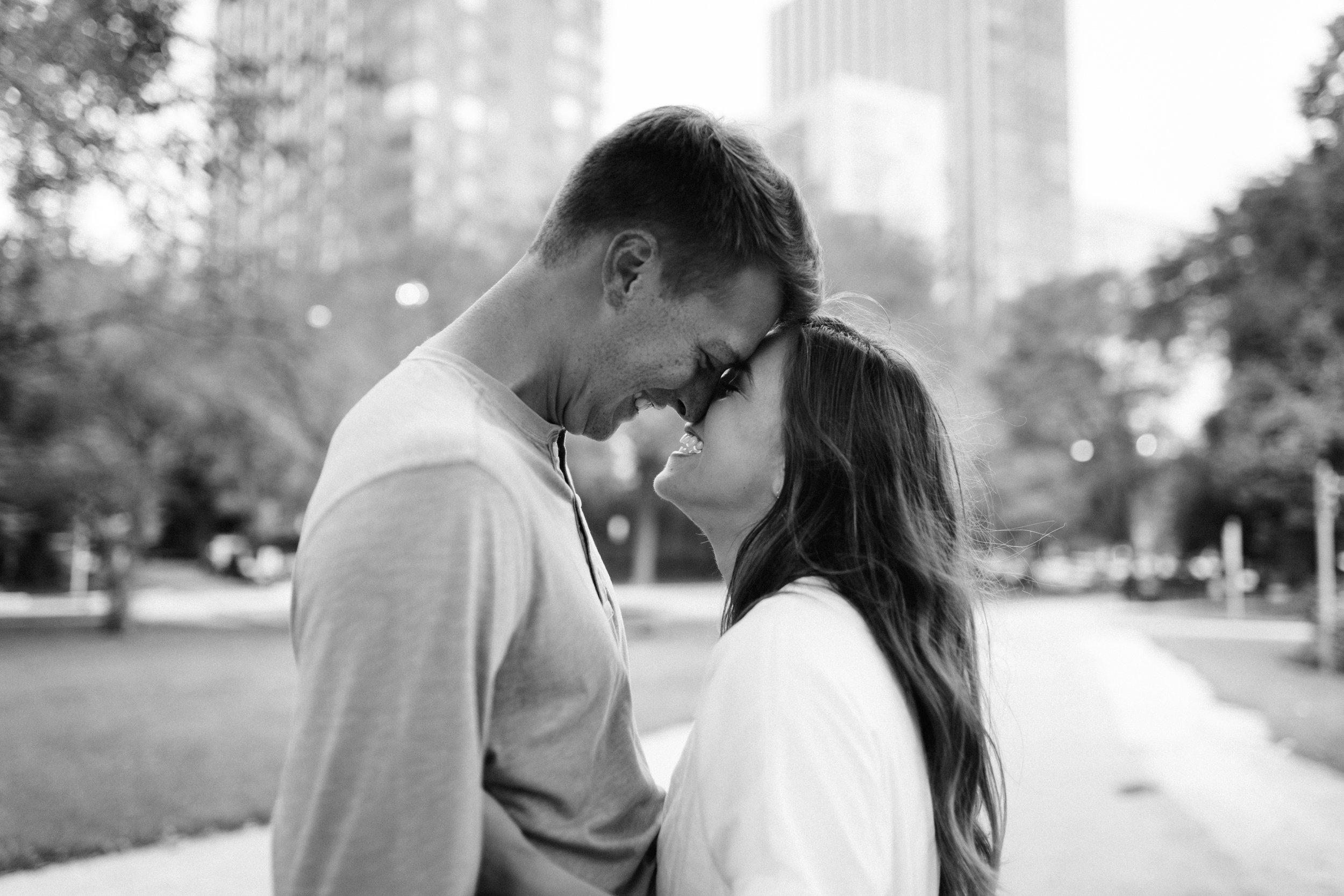 Taryn-Zak-Chicago-Engagement-2