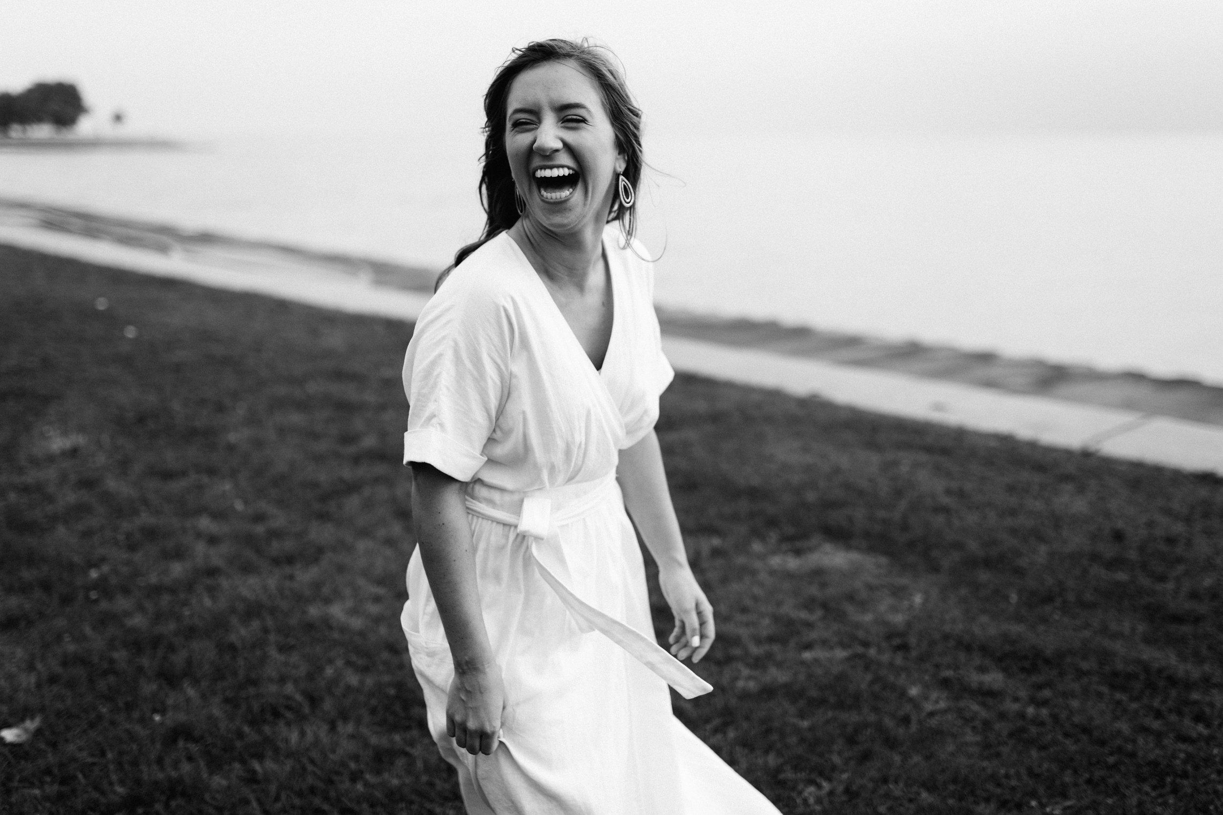 Taryn-Zak-Lake-Michigan-Engagement-10