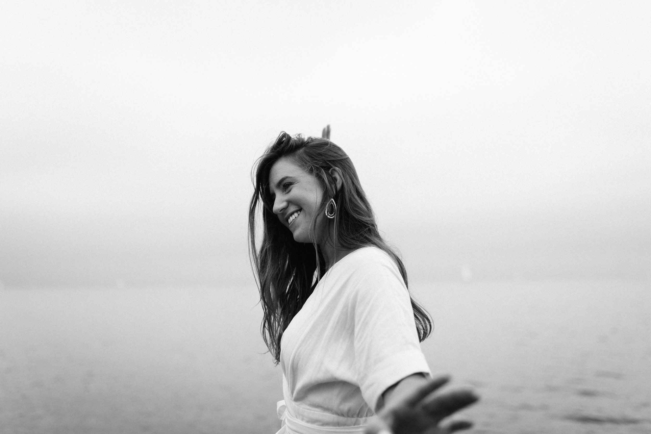 Taryn-Zak-Lake-Michigan-Engagement-18
