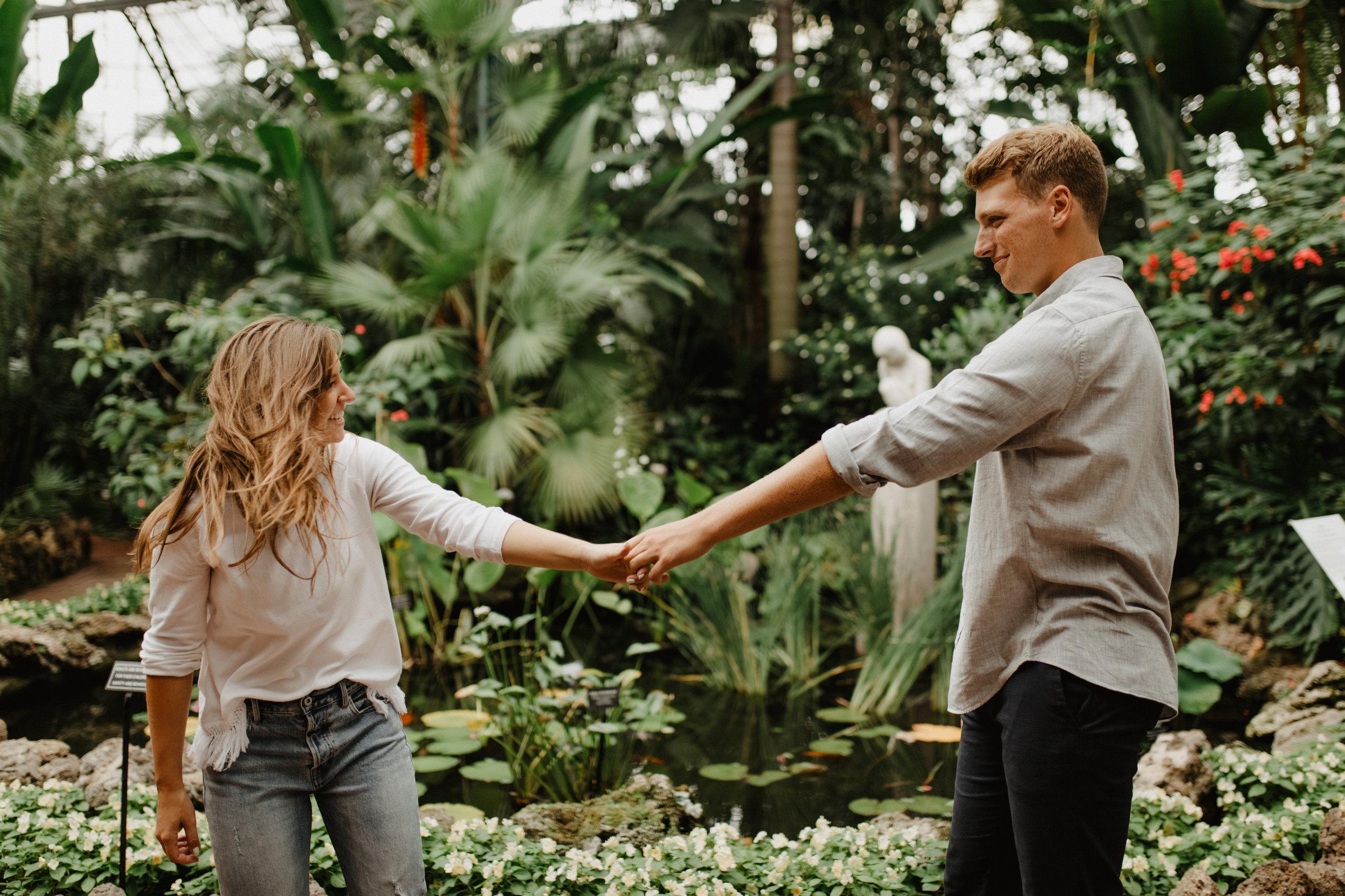 Taryn-Zak-Lincoln-Park-Conservatory-Engagement-30