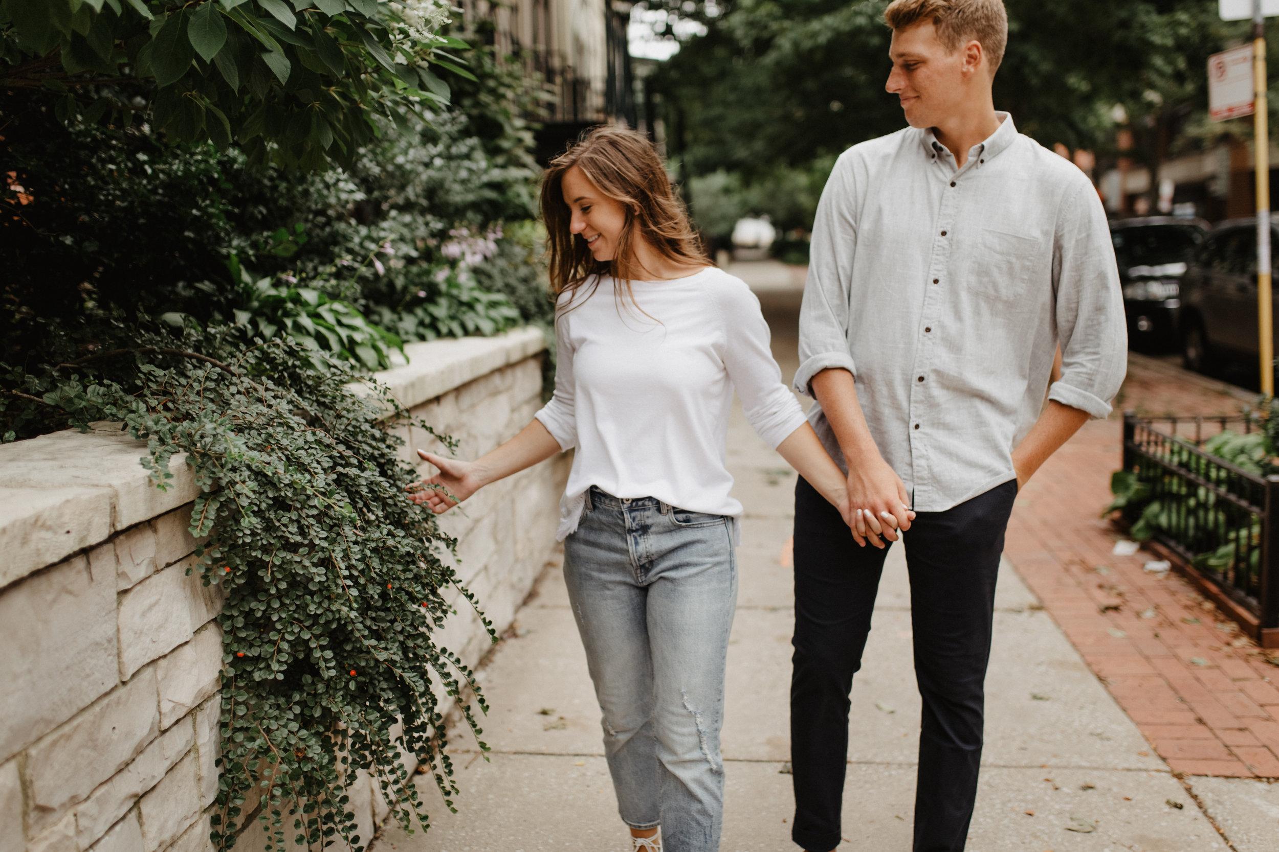 Taryn-Zak-Chicago-Engagement-51