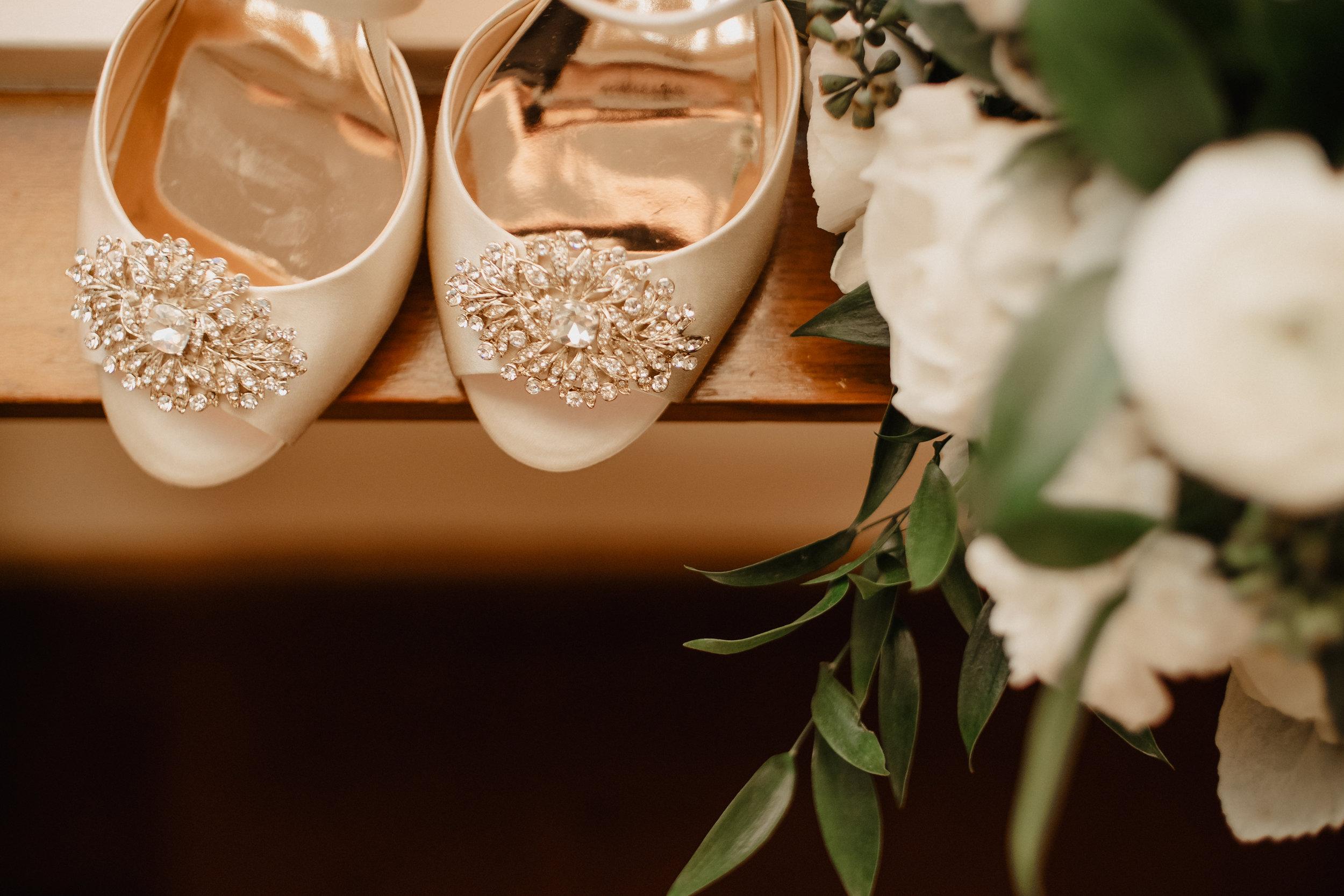 Janet-Alex-South-Michigan-Wedding-Floral-01