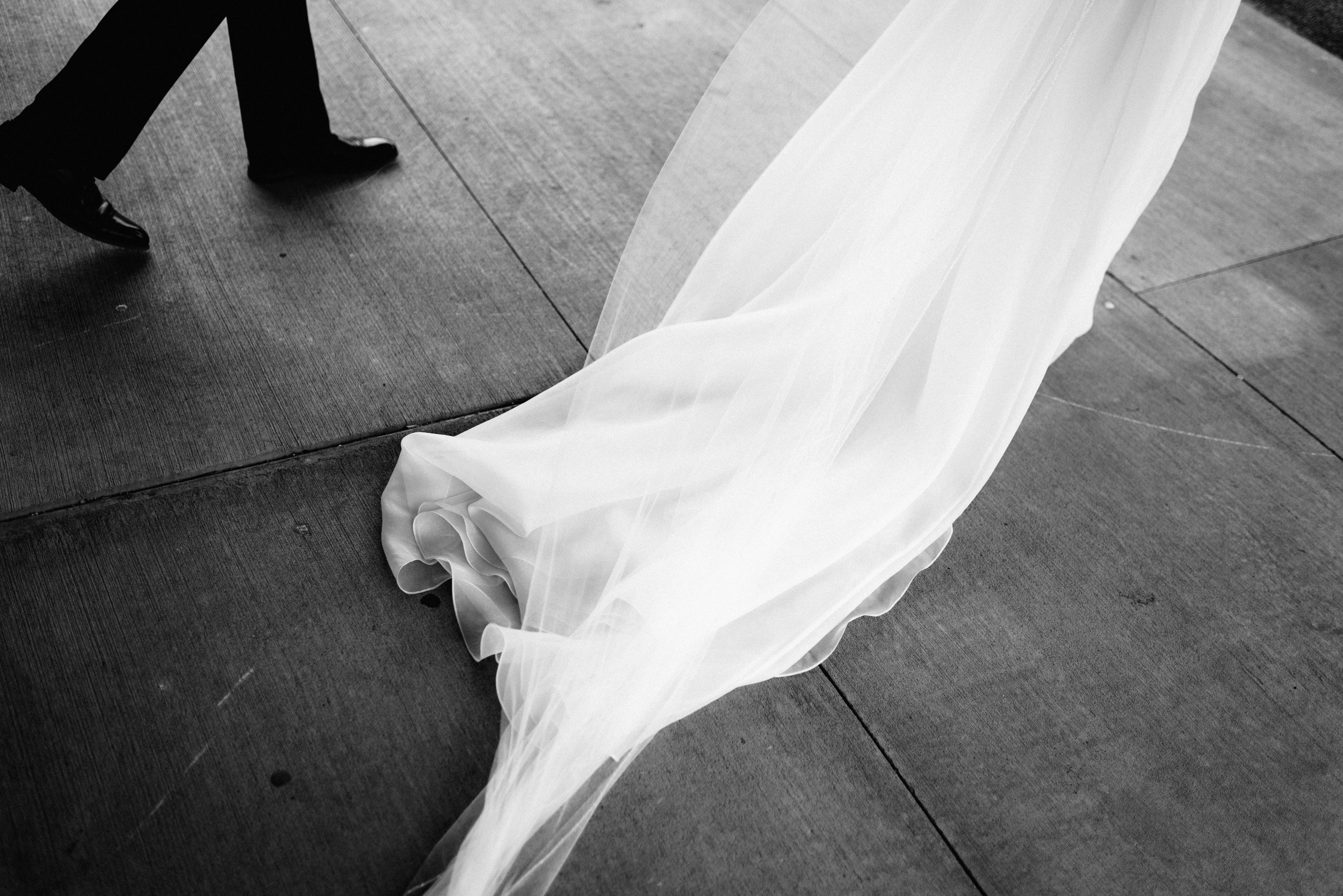 Shadow-Shine-Pictures-Taryn-Zak-Grand-Rapids-Wedding-Trailer-Photography-Previews-36.jpg