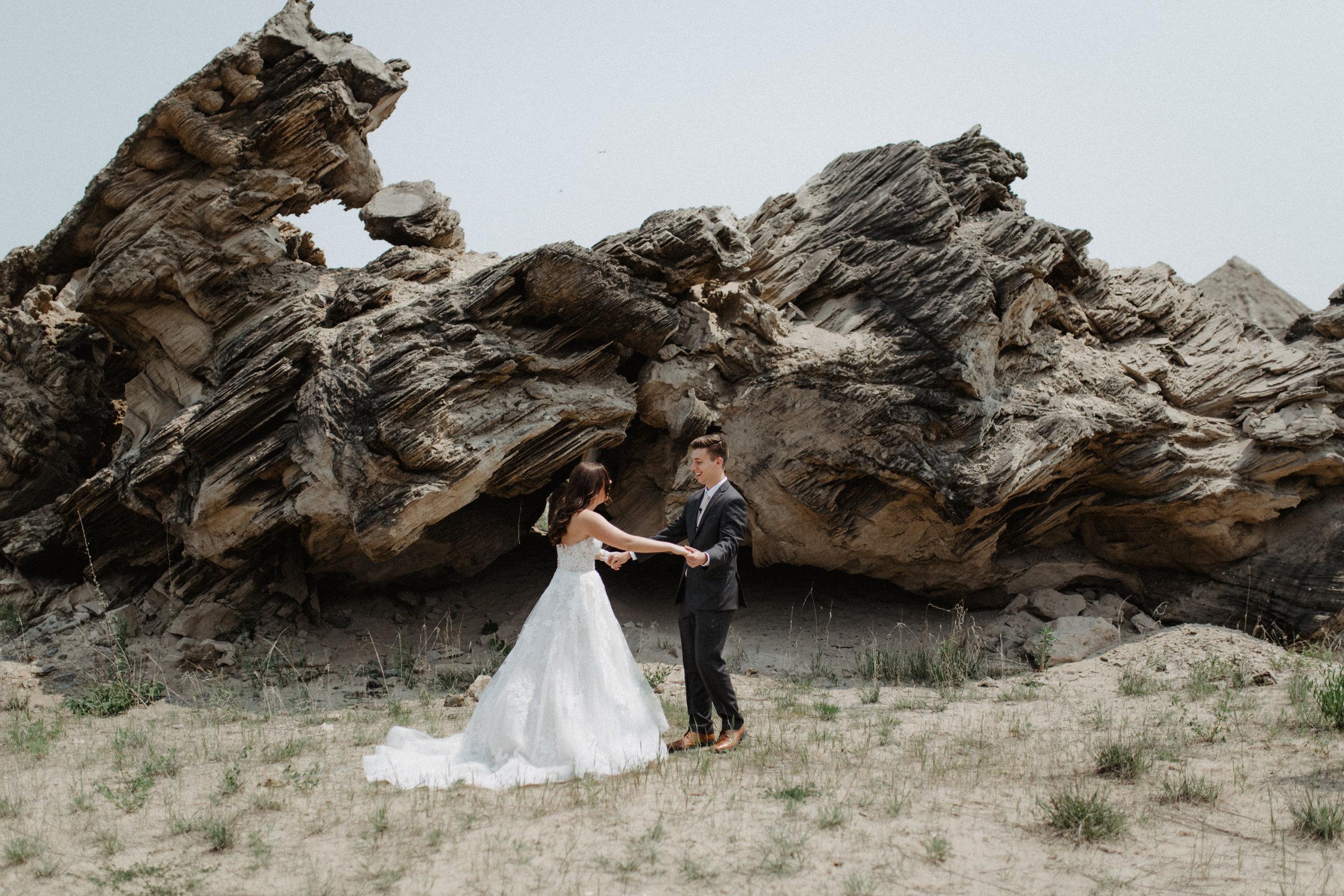 GRAYCENTOMHAMILTON-GRAND-RAPIDS-WEDDING-PHOTOGRAPHY-17.jpg