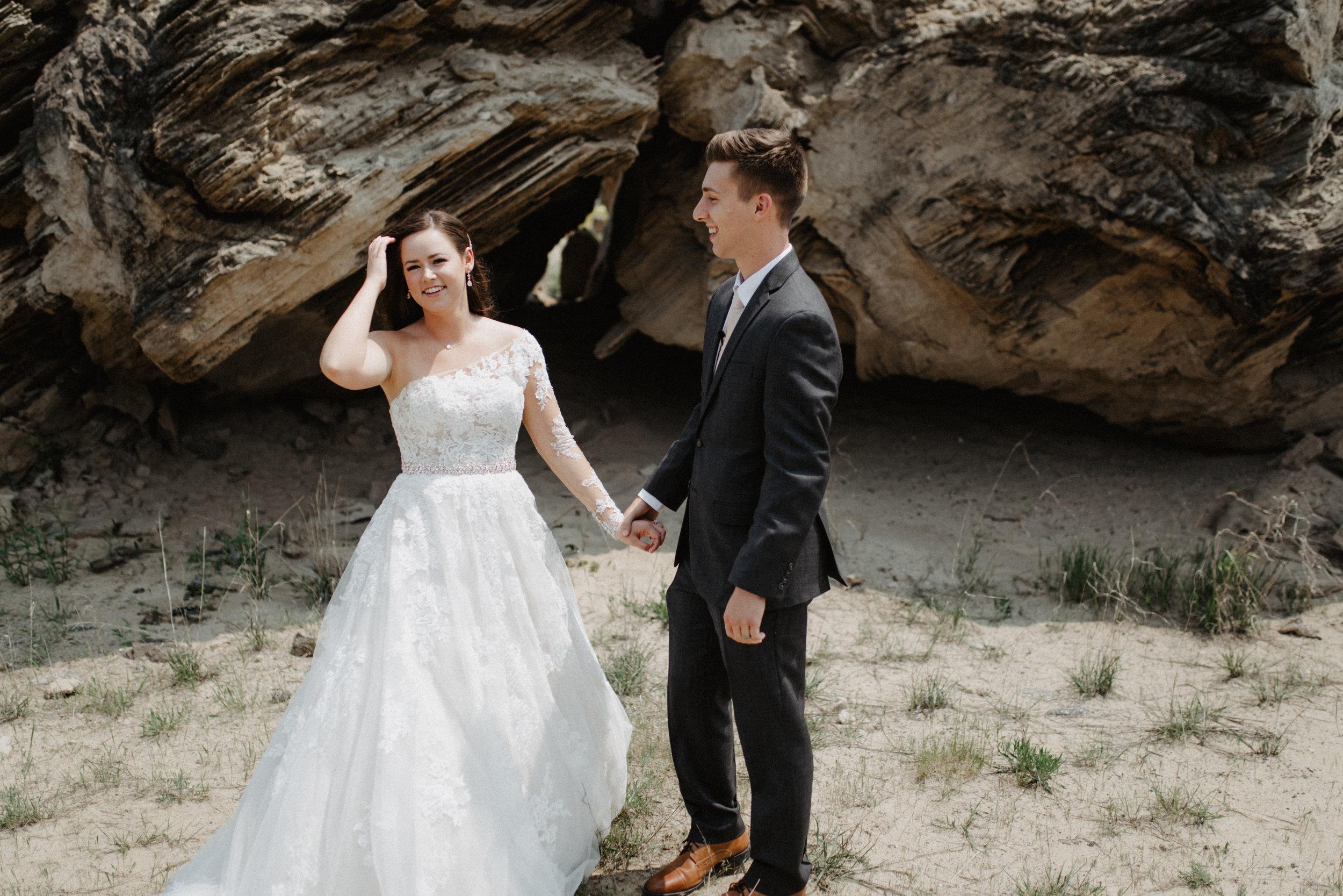 GRAYCENTOMHAMILTON-GRAND-RAPIDS-WEDDING-PHOTOGRAPHY-18.jpg