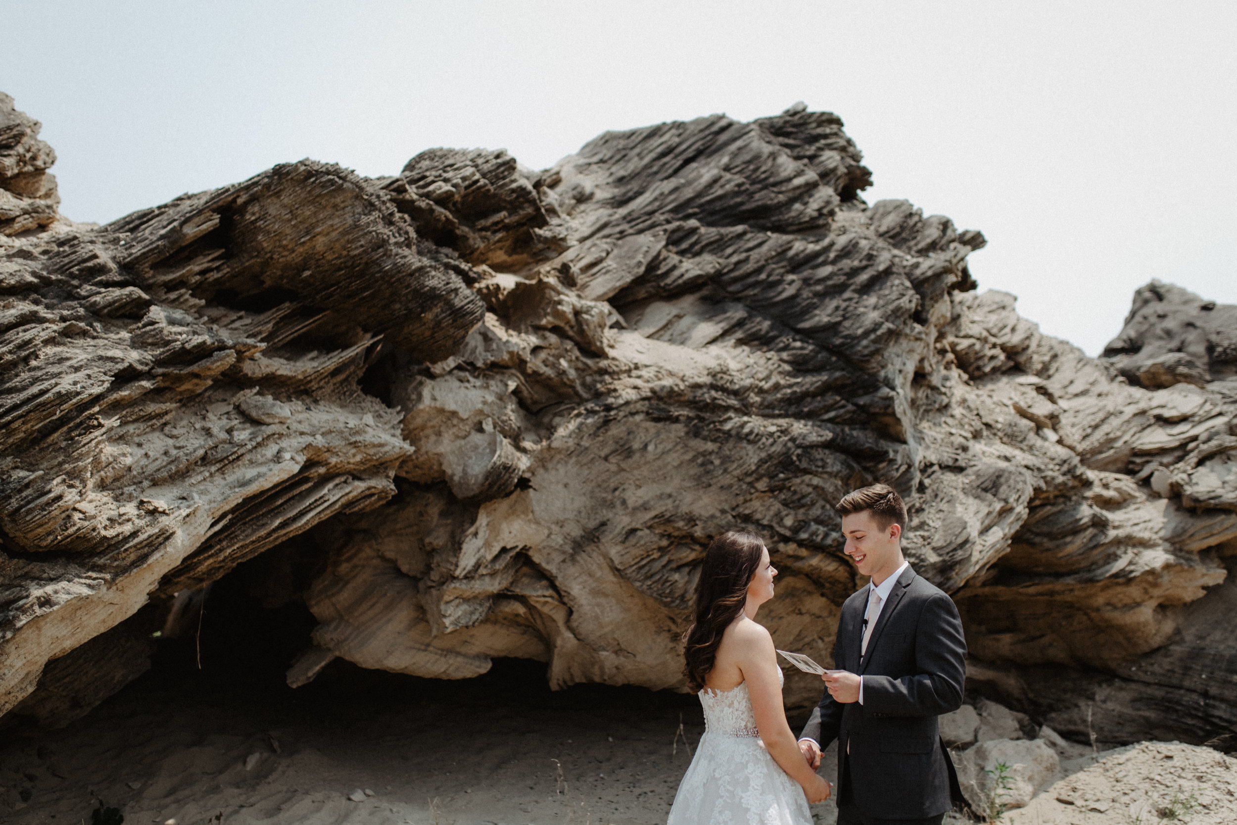 GRAYCENTOMHAMILTON-GRAND-RAPIDS-WEDDING-PHOTOGRAPHY-20.jpg