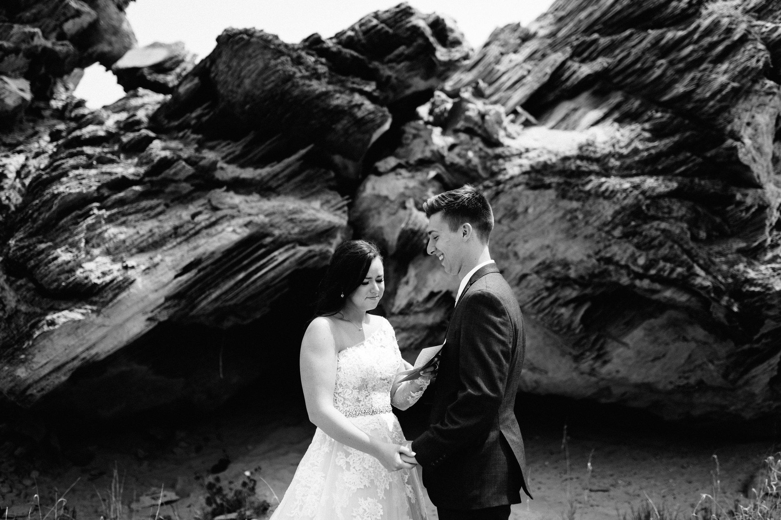 GRAYCENTOMHAMILTON-GRAND-RAPIDS-WEDDING-PHOTOGRAPHY-19.jpg