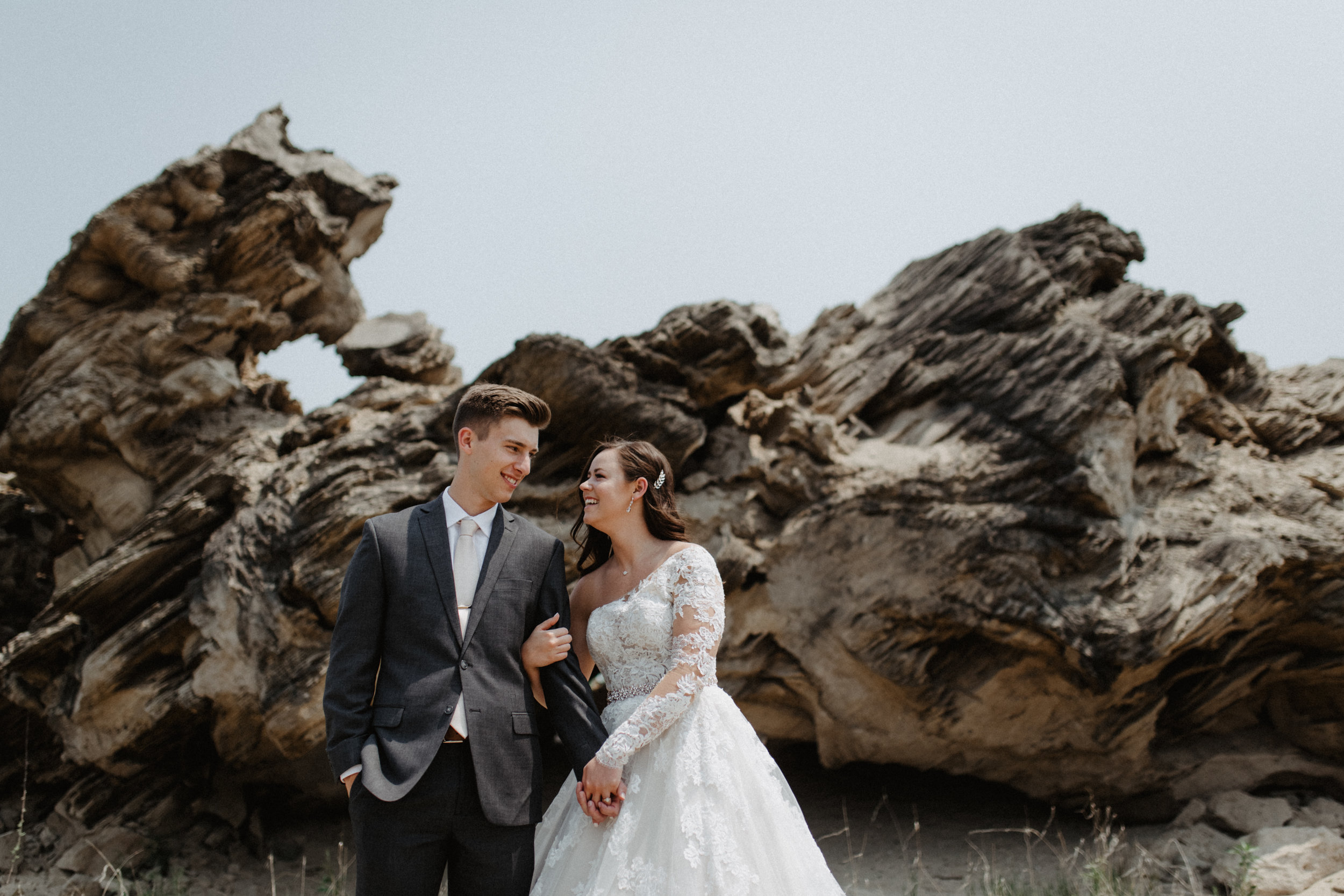 GRAYCENTOMHAMILTON-GRAND-RAPIDS-WEDDING-PHOTOGRAPHY-22.jpg