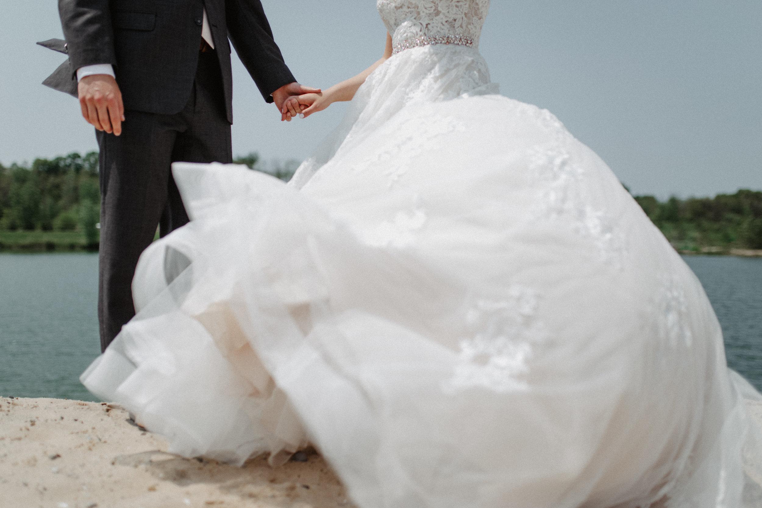 GRAYCENTOMHAMILTON-GRAND-RAPIDS-WEDDING-PHOTOGRAPHY-27.jpg