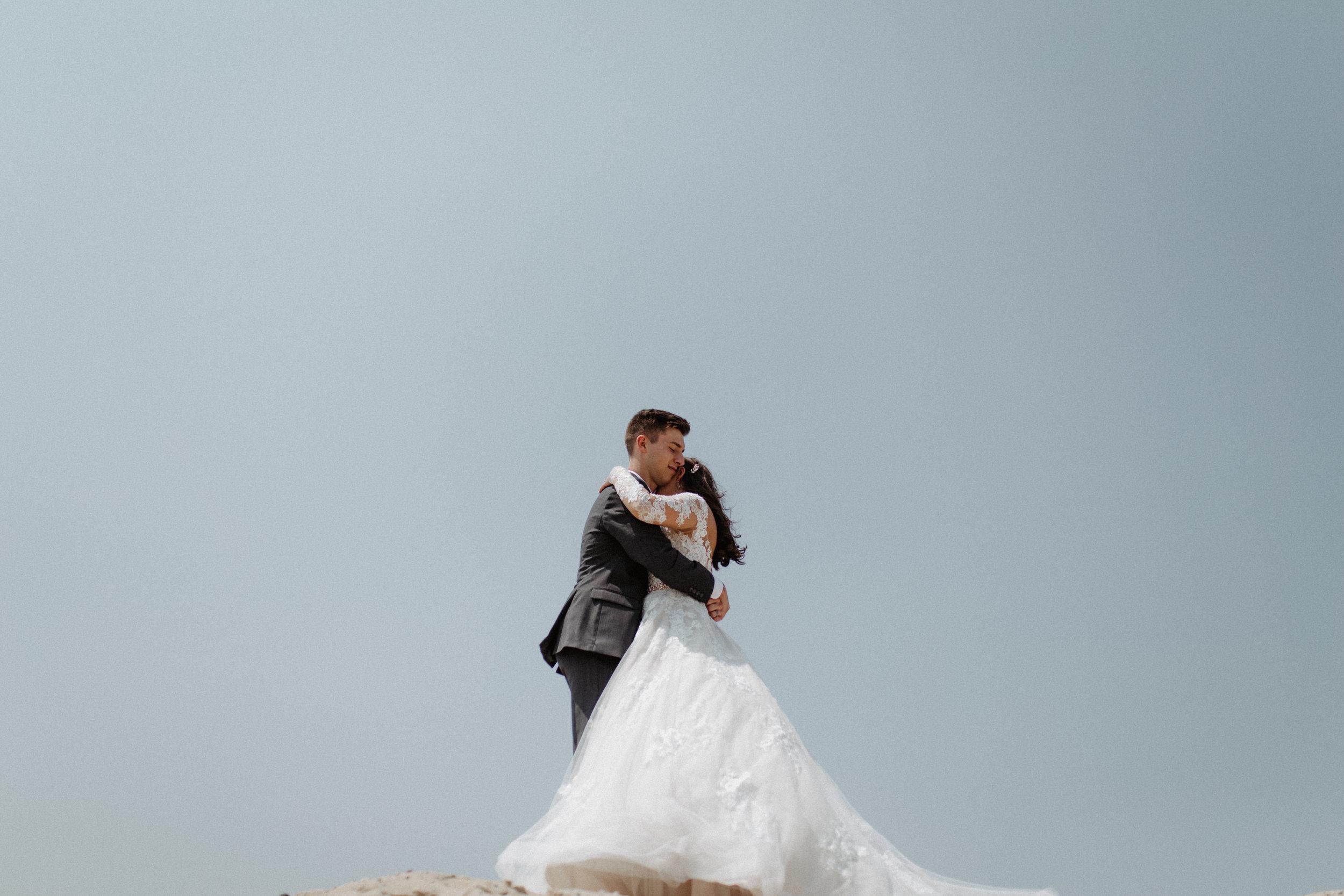 GRAYCENTOMHAMILTON-GRAND-RAPIDS-WEDDING-PHOTOGRAPHY-29.jpg