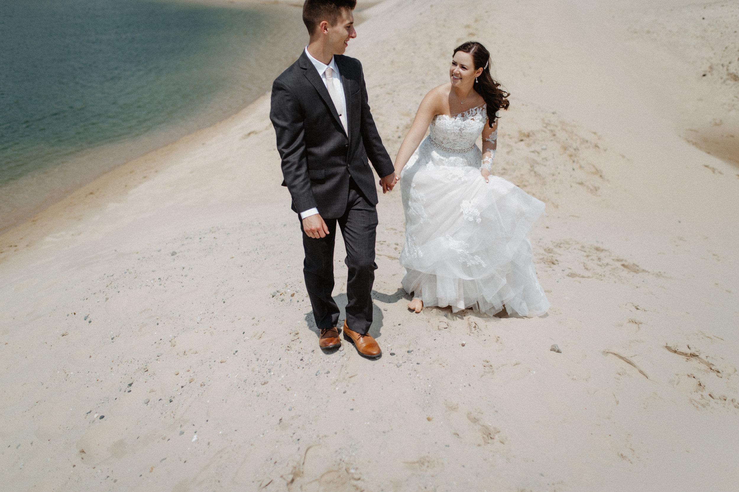 GRAYCENTOMHAMILTON-GRAND-RAPIDS-WEDDING-PHOTOGRAPHY-31.jpg