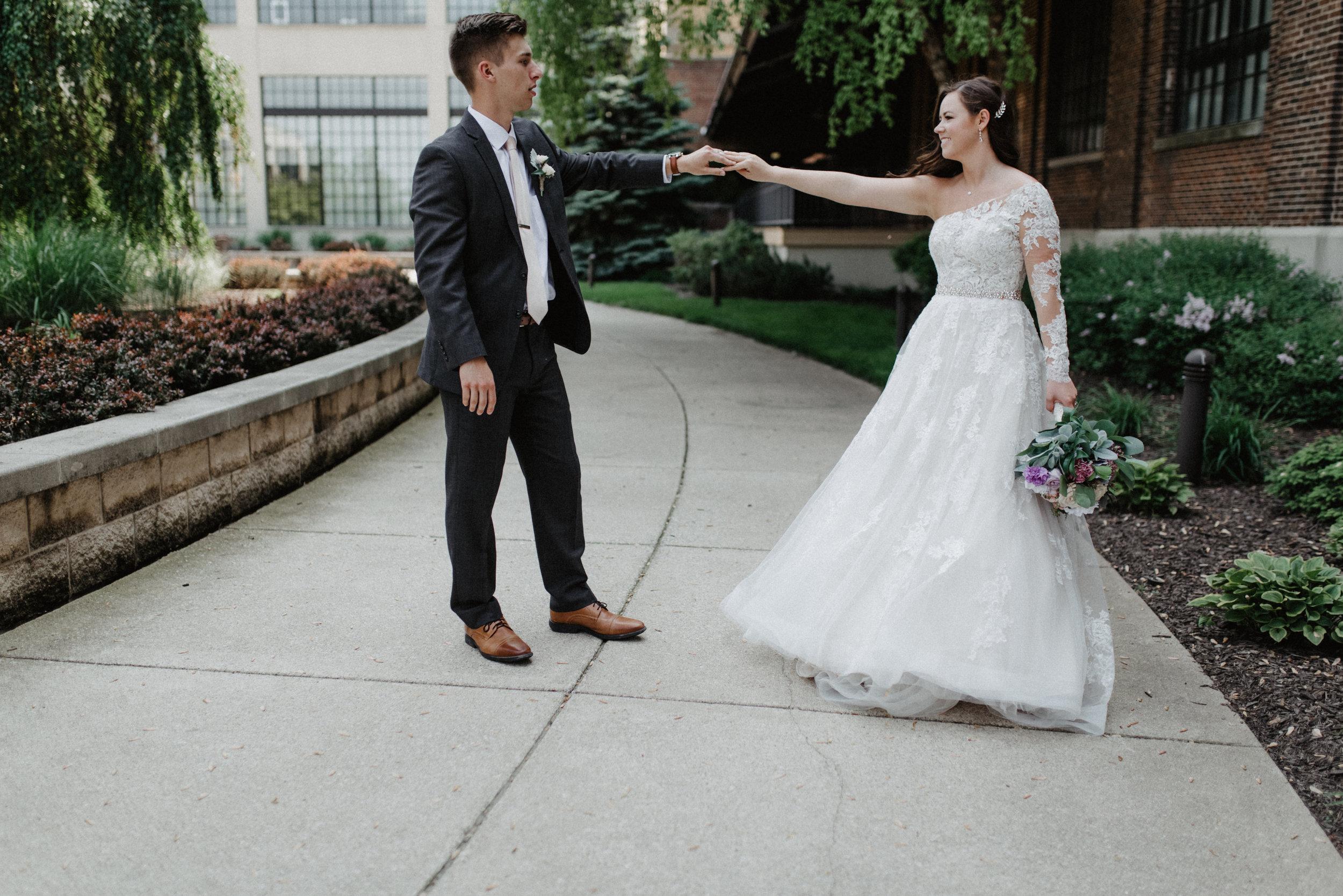 GRAYCENTOMHAMILTON-GRAND-RAPIDS-WEDDING-PHOTOGRAPHY-35.jpg